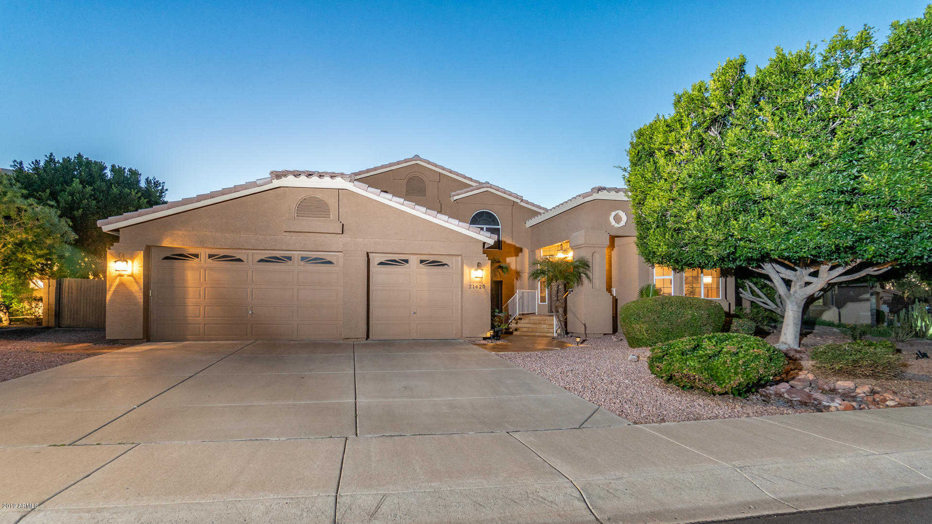 $669,000 - 5Br/3Ba - Home for Sale in Arrowhead Lakes, Glendale