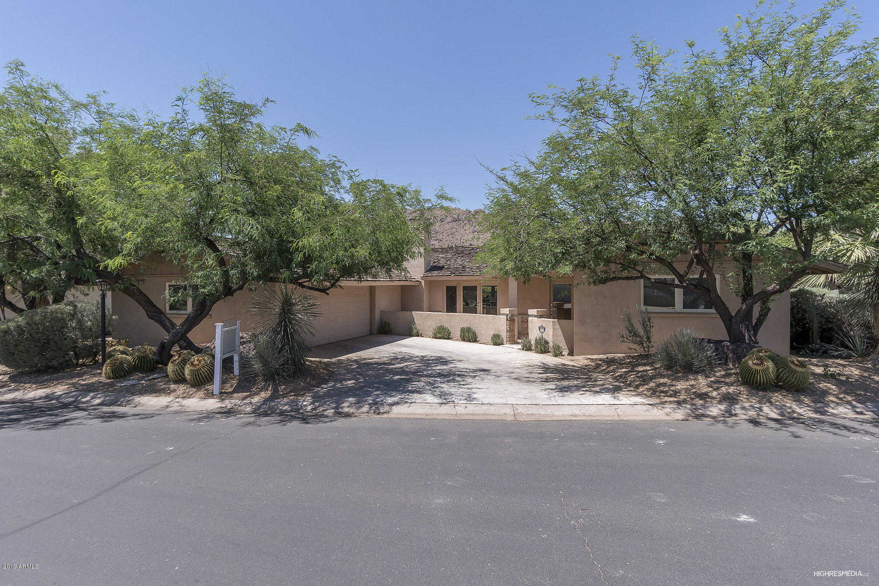 $1,150,000 - 3Br/3Ba - Home for Sale in Mountain Shadow East, Paradise Valley