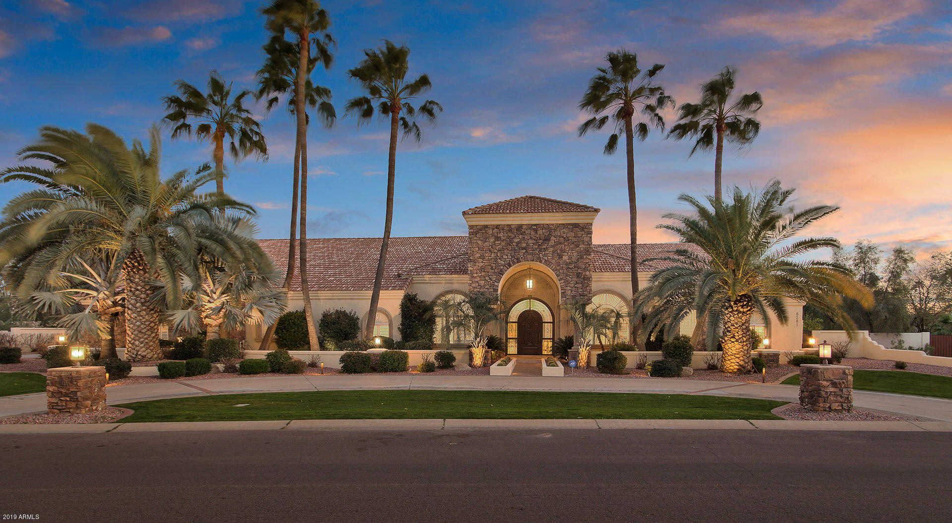 $1,650,000 - 5Br/4Ba - Home for Sale in Villa Capistrano 2 Lot 1-40, Scottsdale