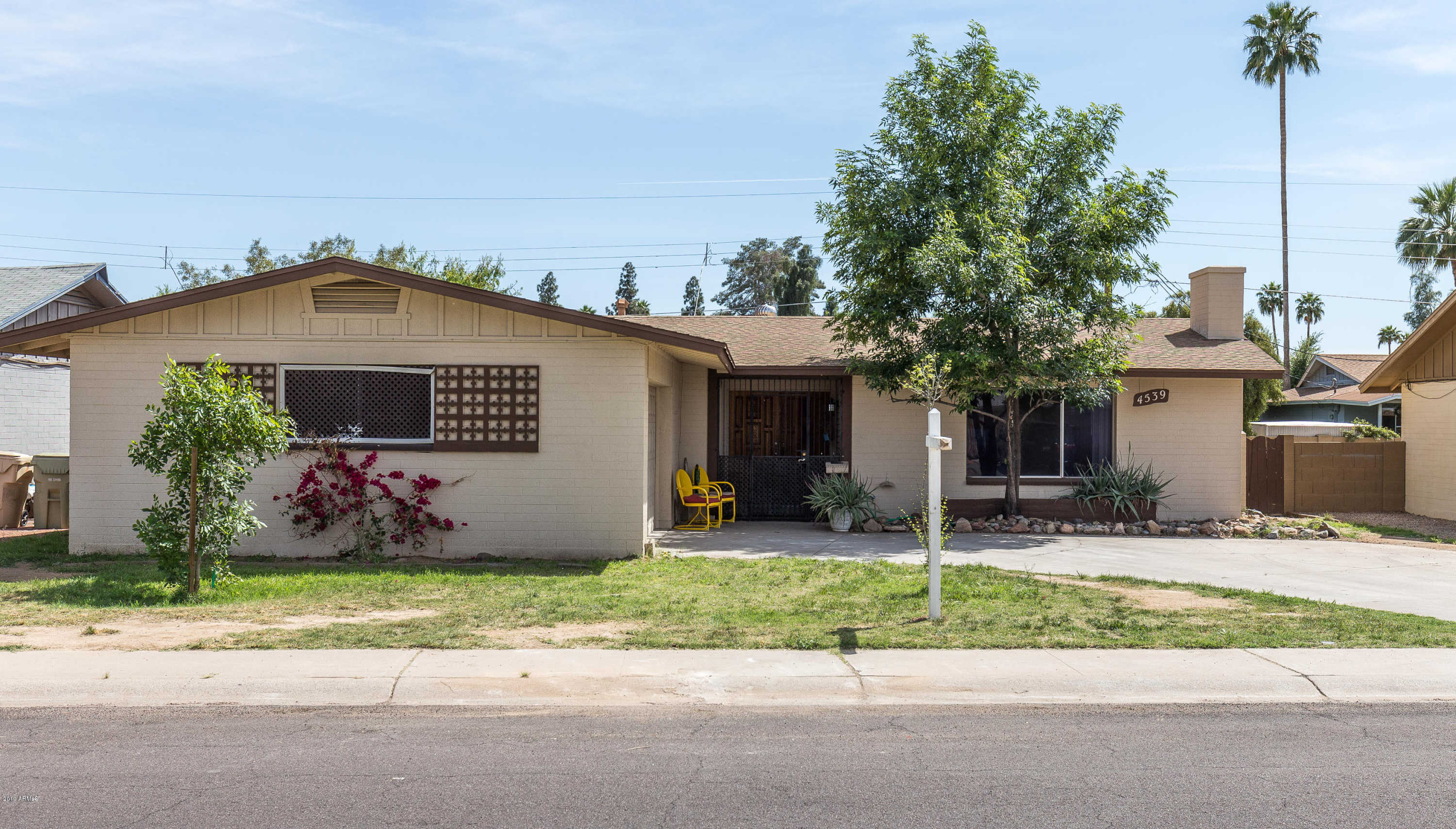 $219,900 - 3Br/2Ba - Home for Sale in West Plaza Estates, Glendale