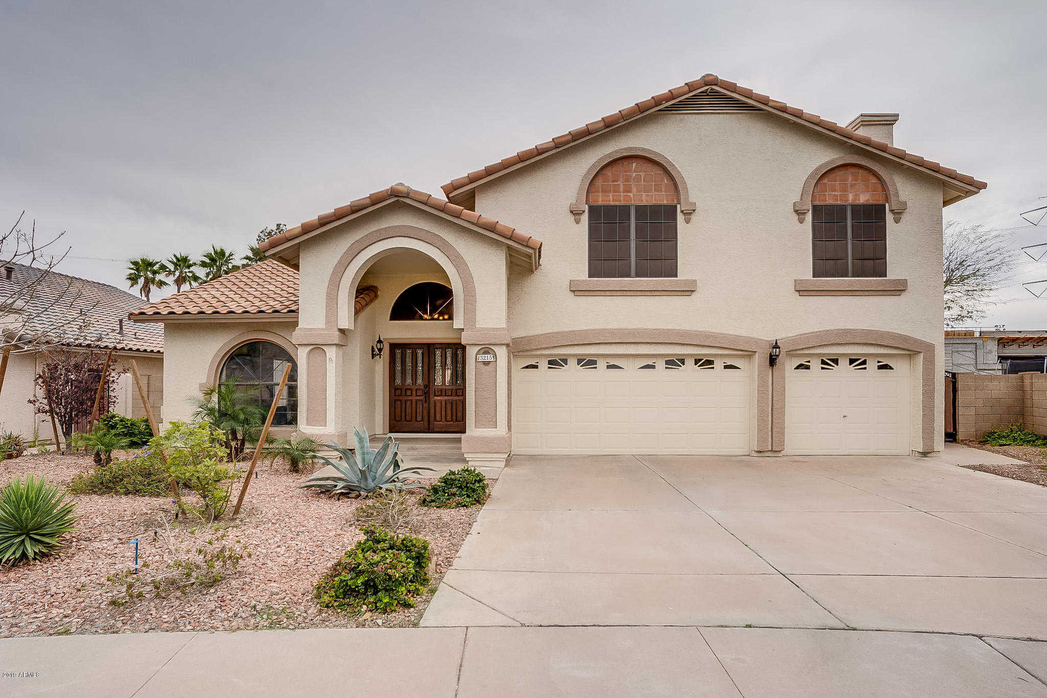 $400,000 - 4Br/3Ba - Home for Sale in Lakewood Parcel 20 Lot 1-114 Tr A&b, Phoenix