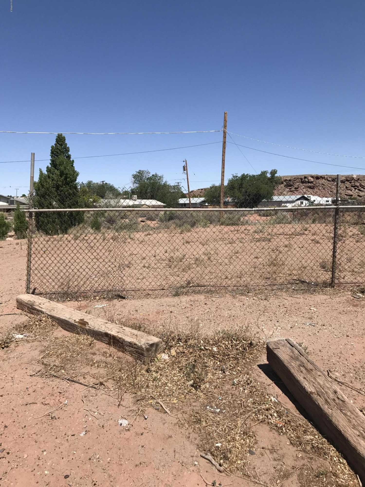 $2,000 - Br/Ba -  for Sale in Clear View Heights, Holbrook