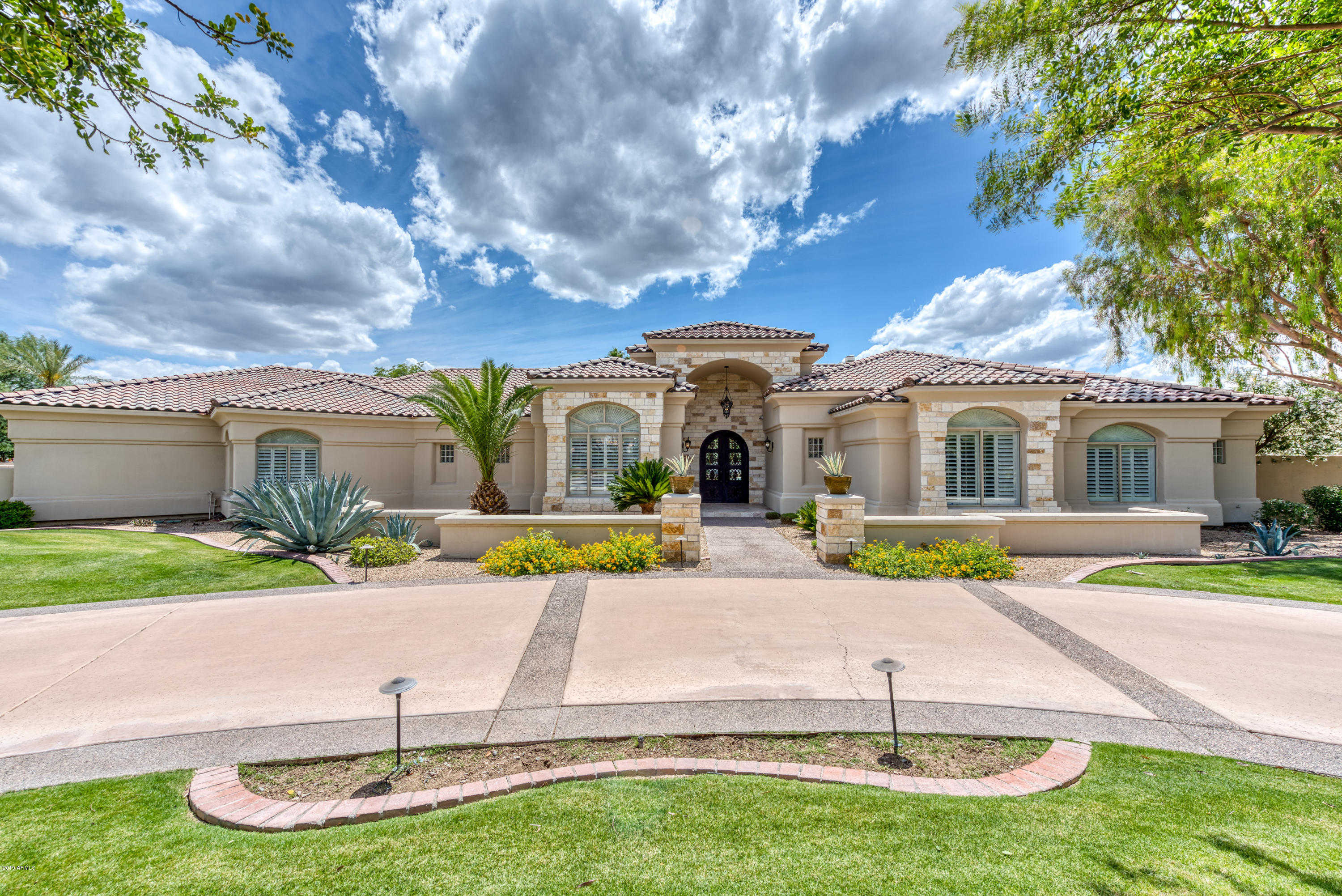 $1,895,000 - 4Br/5Ba - Home for Sale in Ironwood At Camelback Country Club, Paradise Valley