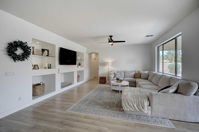 $500,000 - 5Br/3Ba - Home for Sale in Vintage Ranch, Gilbert