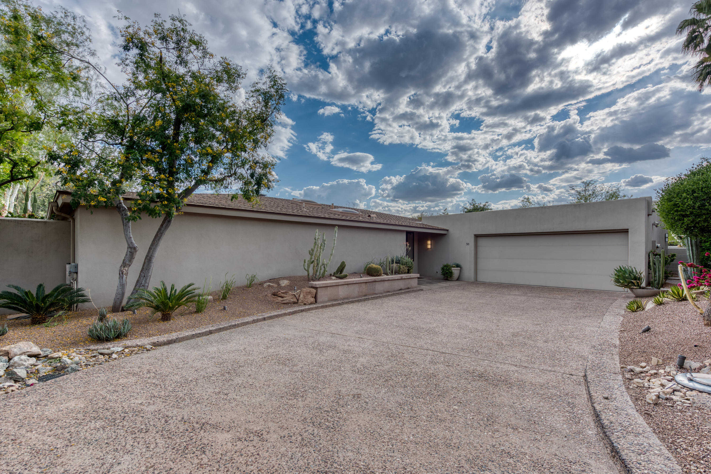 $1,590,000 - 3Br/3Ba - Home for Sale in Colonia Miramonte 2, Paradise Valley