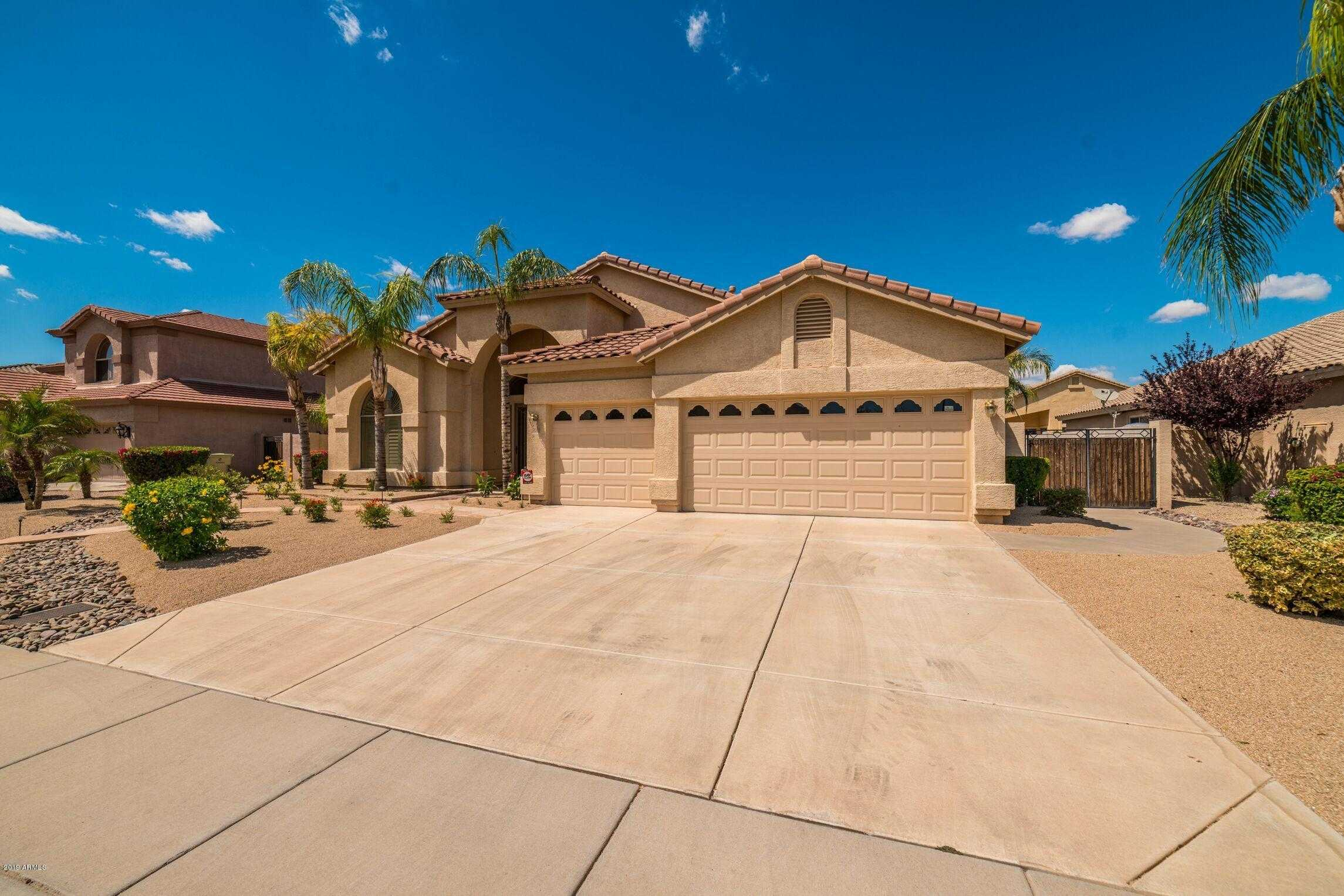 $529,500 - 4Br/3Ba - Home for Sale in Sierra Verde Parcel C, Glendale