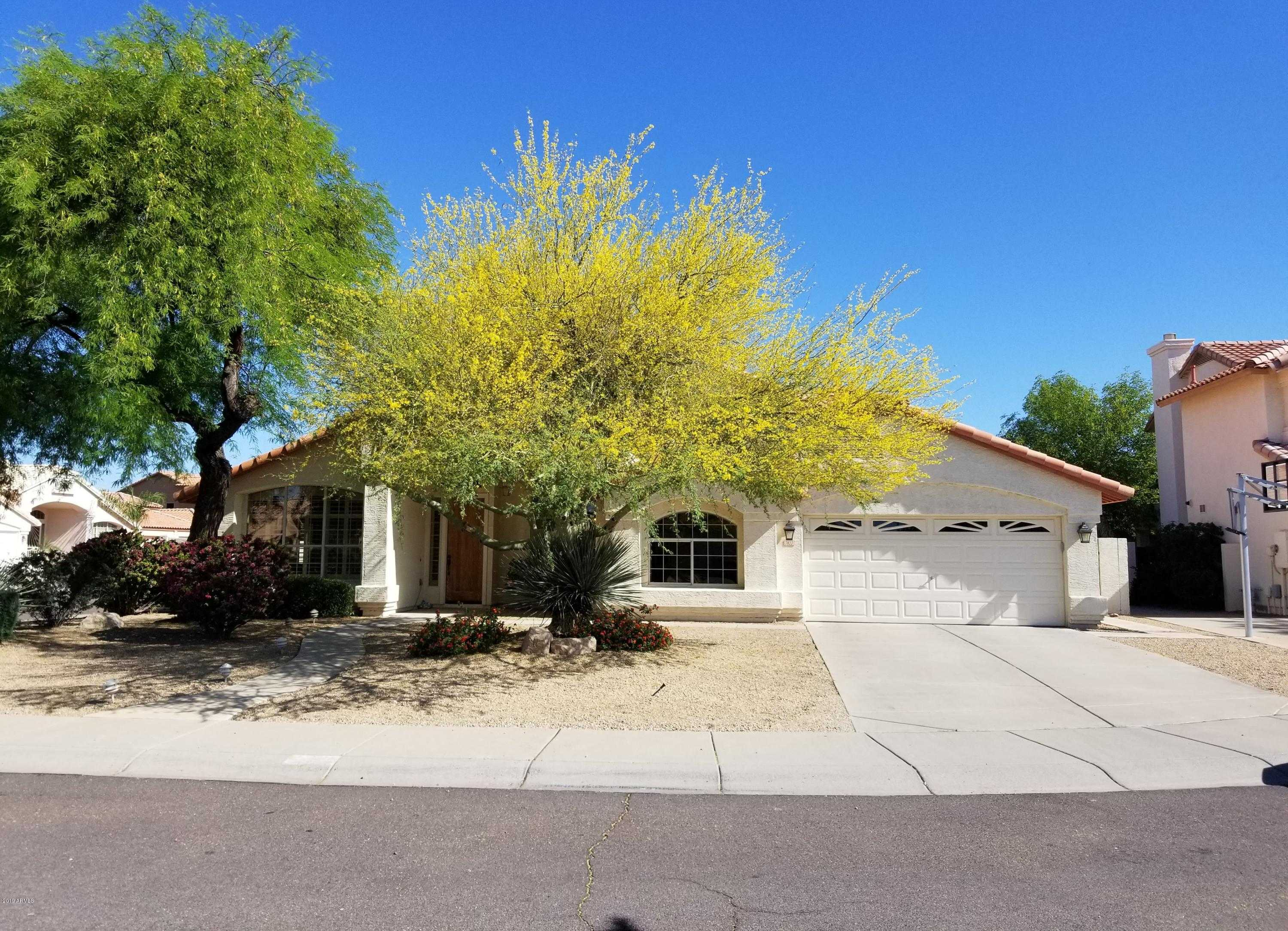 $400,000 - 4Br/3Ba - Home for Sale in Continental At Arrowhead Ranch, Glendale