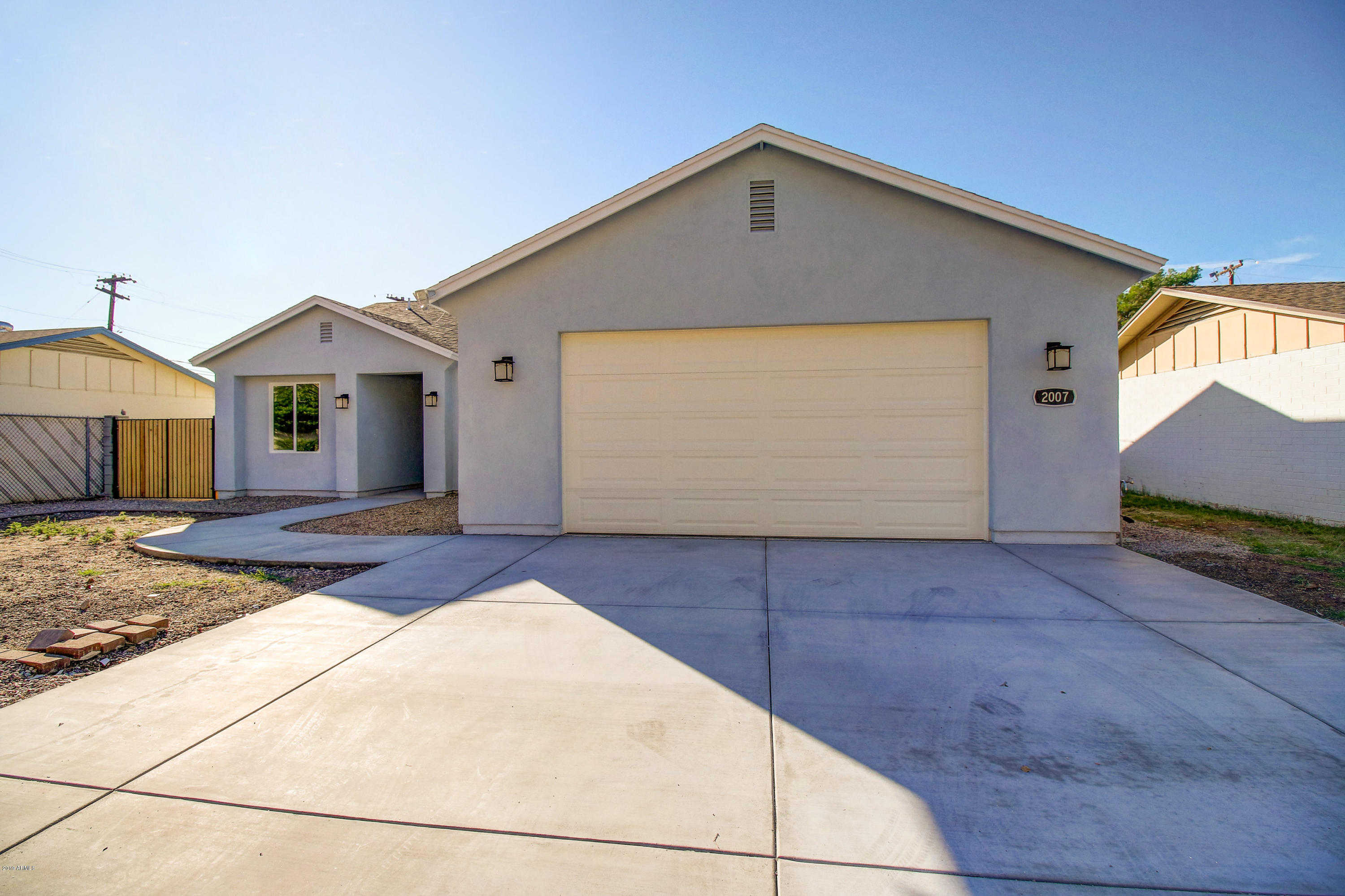 $300,000 - 3Br/2Ba - Home for Sale in Preston Heights, Phoenix