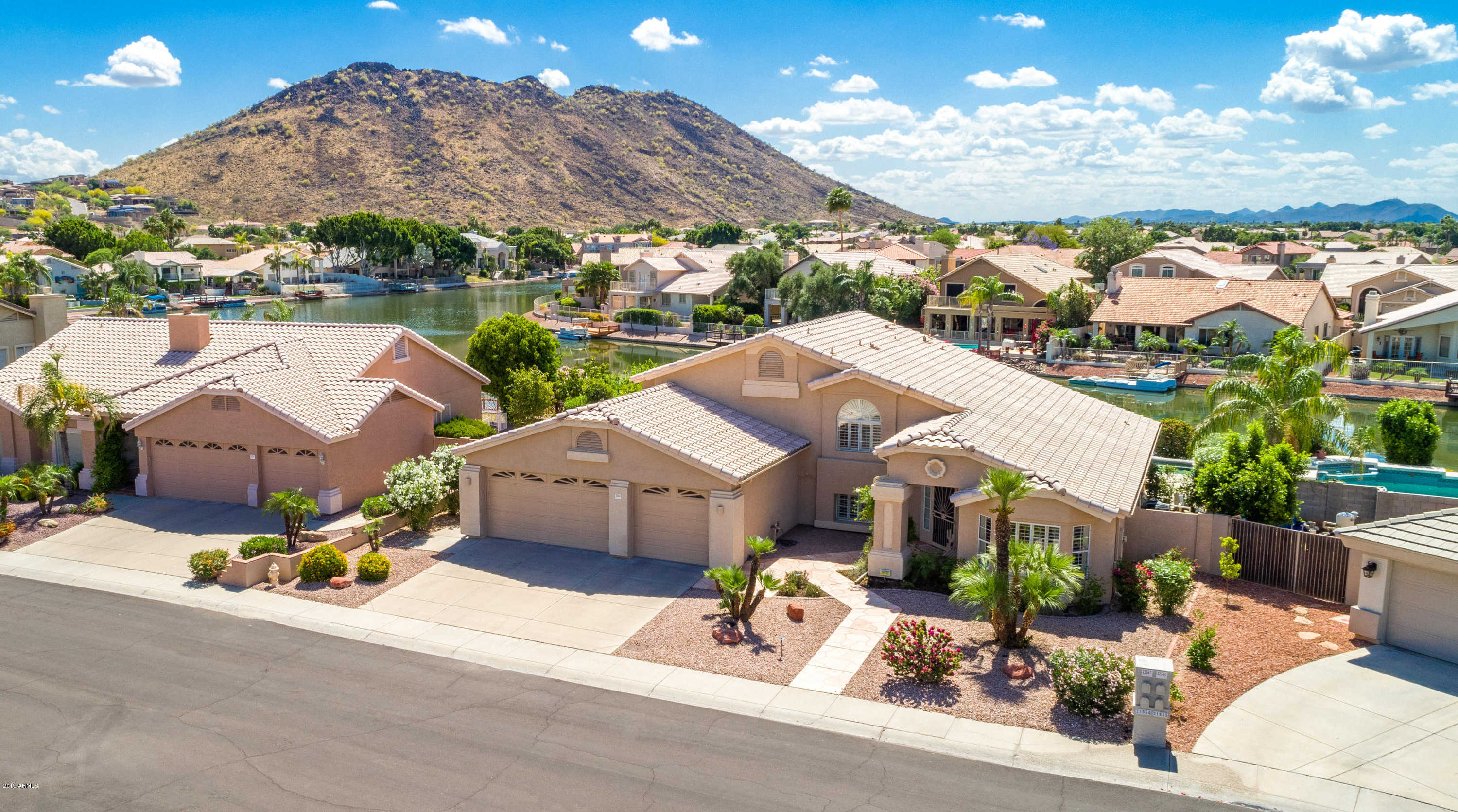 $585,000 - 5Br/3Ba - Home for Sale in Arrowhead Lakes Unit 4 Lot 1-59 Tr A, Glendale