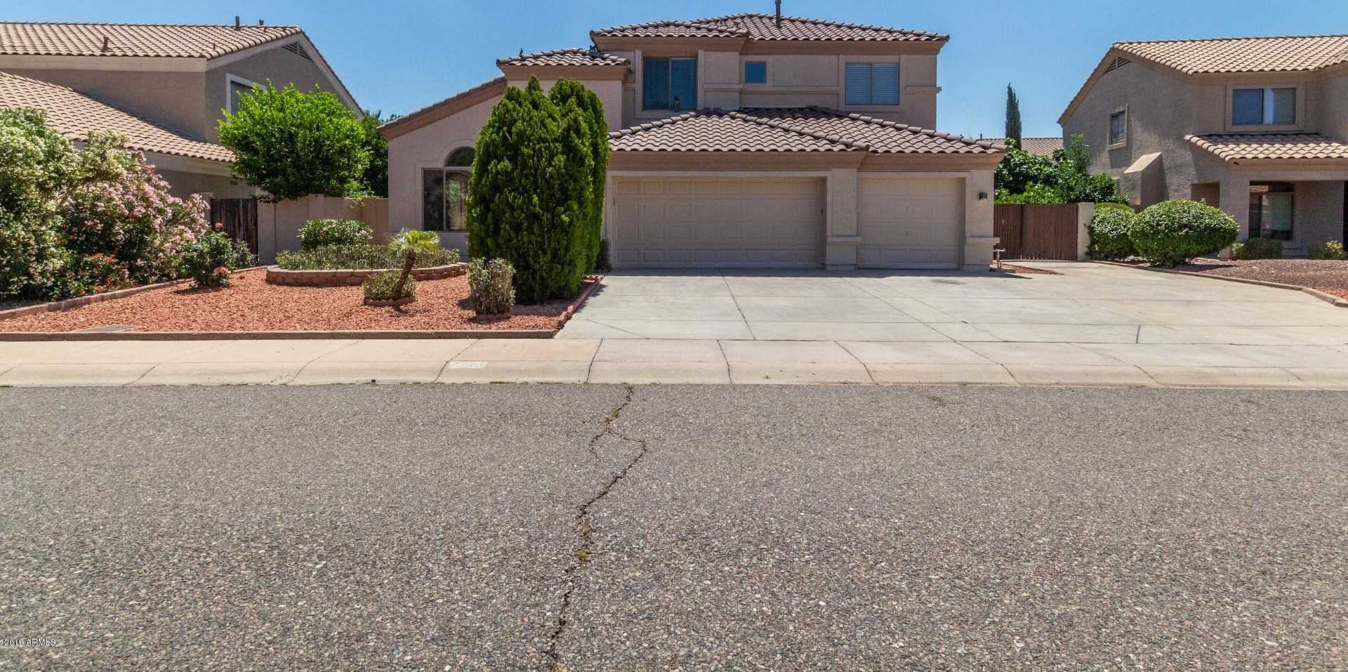 $364,900 - 4Br/3Ba - Home for Sale in Touchstone, Glendale
