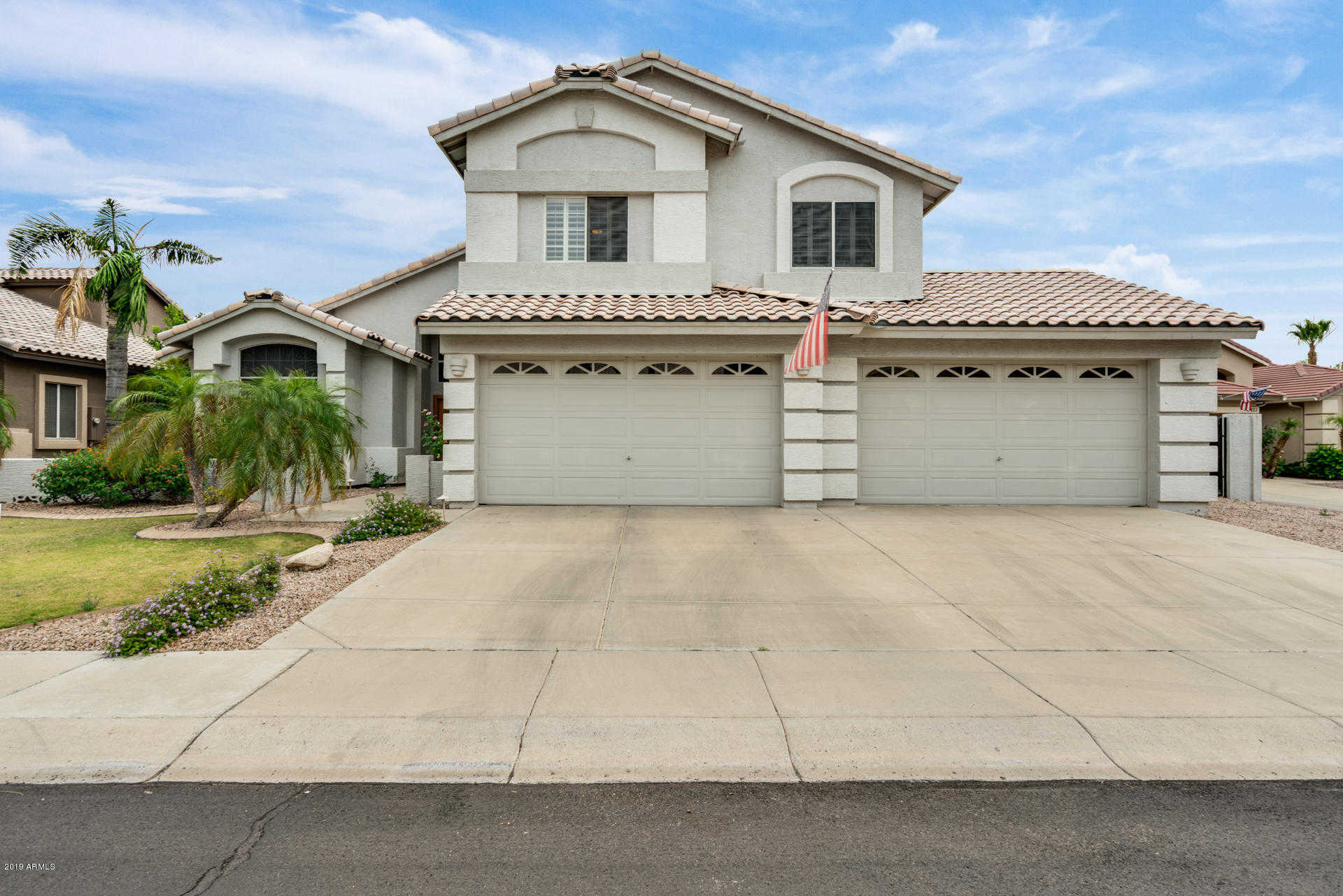 $649,900 - 4Br/4Ba - Home for Sale in Arrowhead Lakes, Glendale