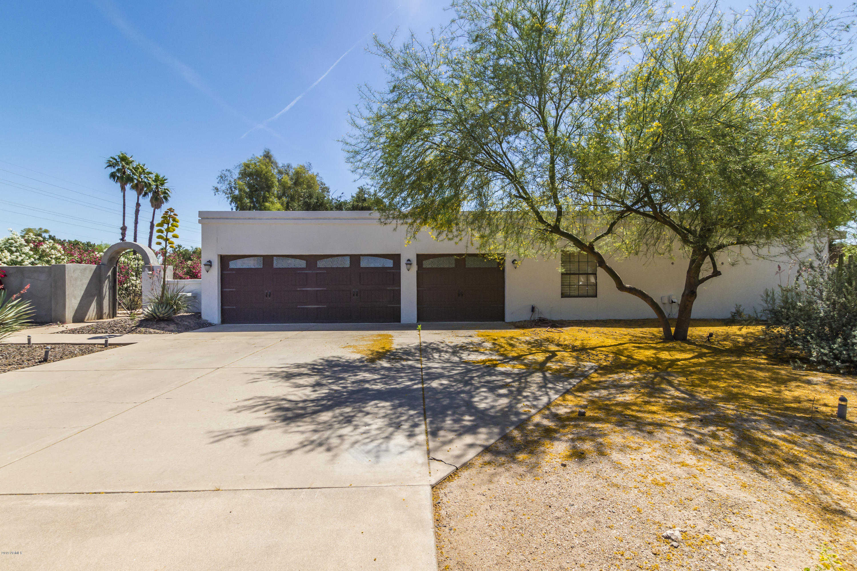 $798,000 - 5Br/3Ba - Home for Sale in Country Club Acres, Paradise Valley