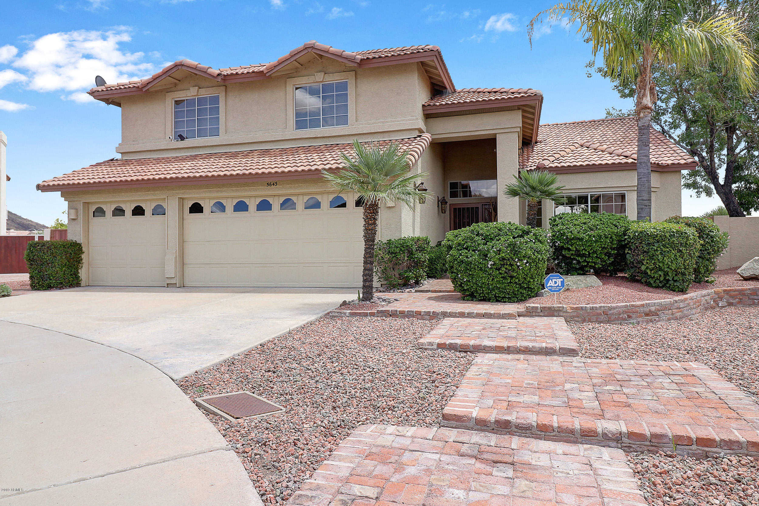 $549,000 - 4Br/3Ba - Home for Sale in Arrowhead Lakes 3 Lot 239-333 Tr A-b, Glendale