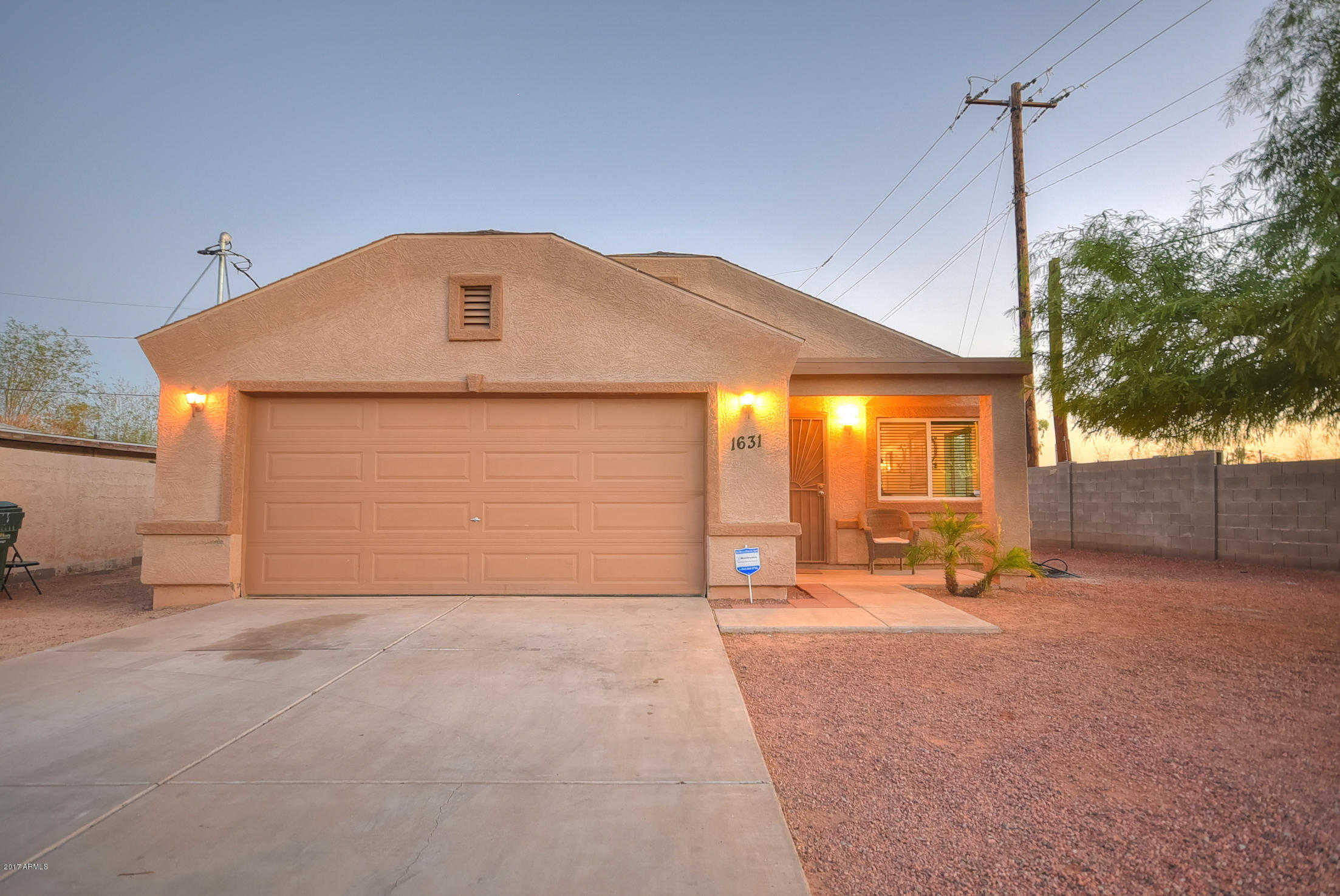 $200,000 - 3Br/2Ba - Home for Sale in Overall Place Blks 2, 6, 7, Phoenix