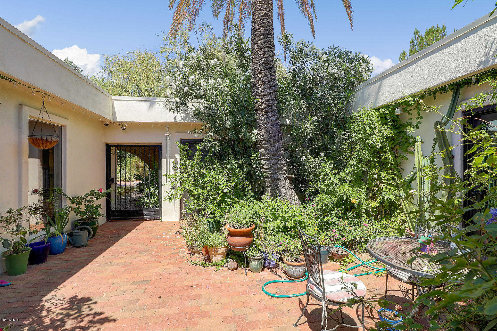 $1,399,999 - 5Br/3Ba - Home for Sale in Mountain View, Paradise Valley