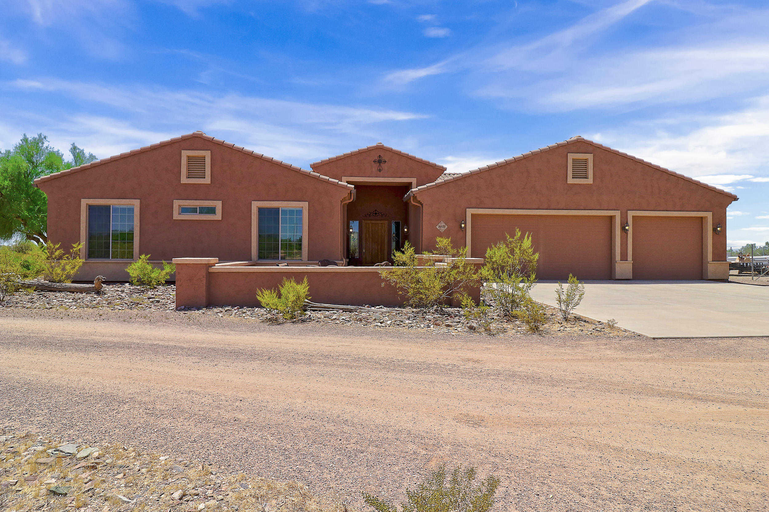 Homes for Sale in Surprise - Jami Tadda — RE/MAX Renaissance