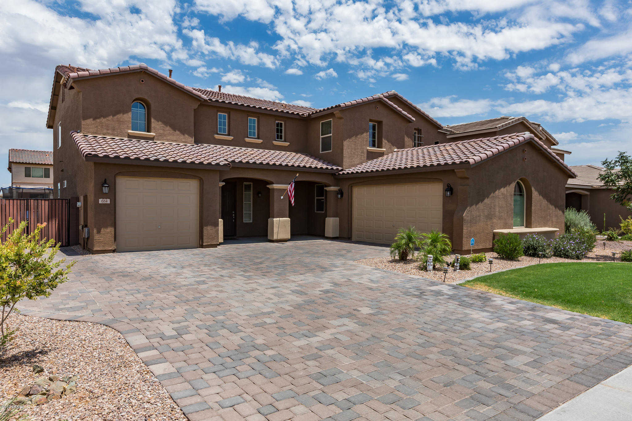 $400,000 - 5Br/3Ba - Home for Sale in Ironwood Crossing, Queen Creek