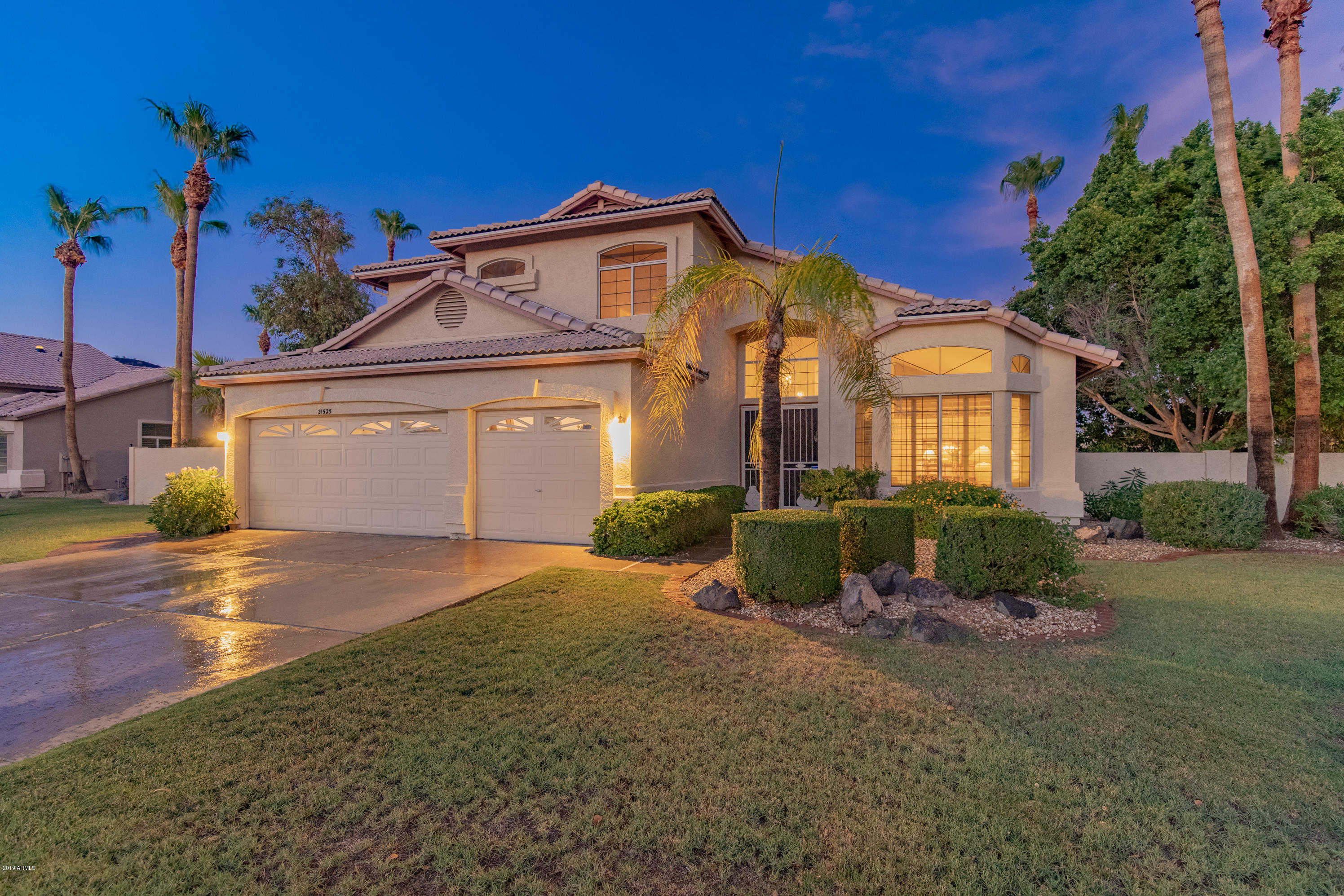 $540,000 - 4Br/3Ba - Home for Sale in Arrowhead Lakes 1 Replat Lt 1-204 A-h J-n P-r, Glendale