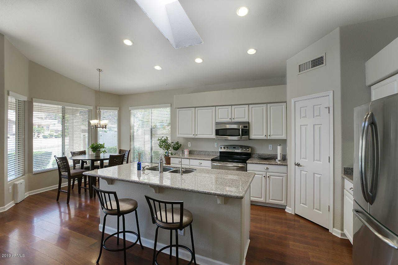 $475,000 - 4Br/2Ba - Home for Sale in Arrowhead Lakes Unit 7b, Glendale