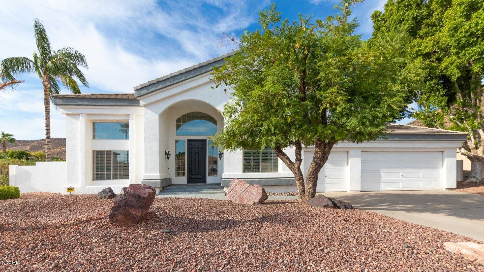 $675,000 - 3Br/3Ba - Home for Sale in Arrowhead Lakes Unit 6a Amd, Glendale