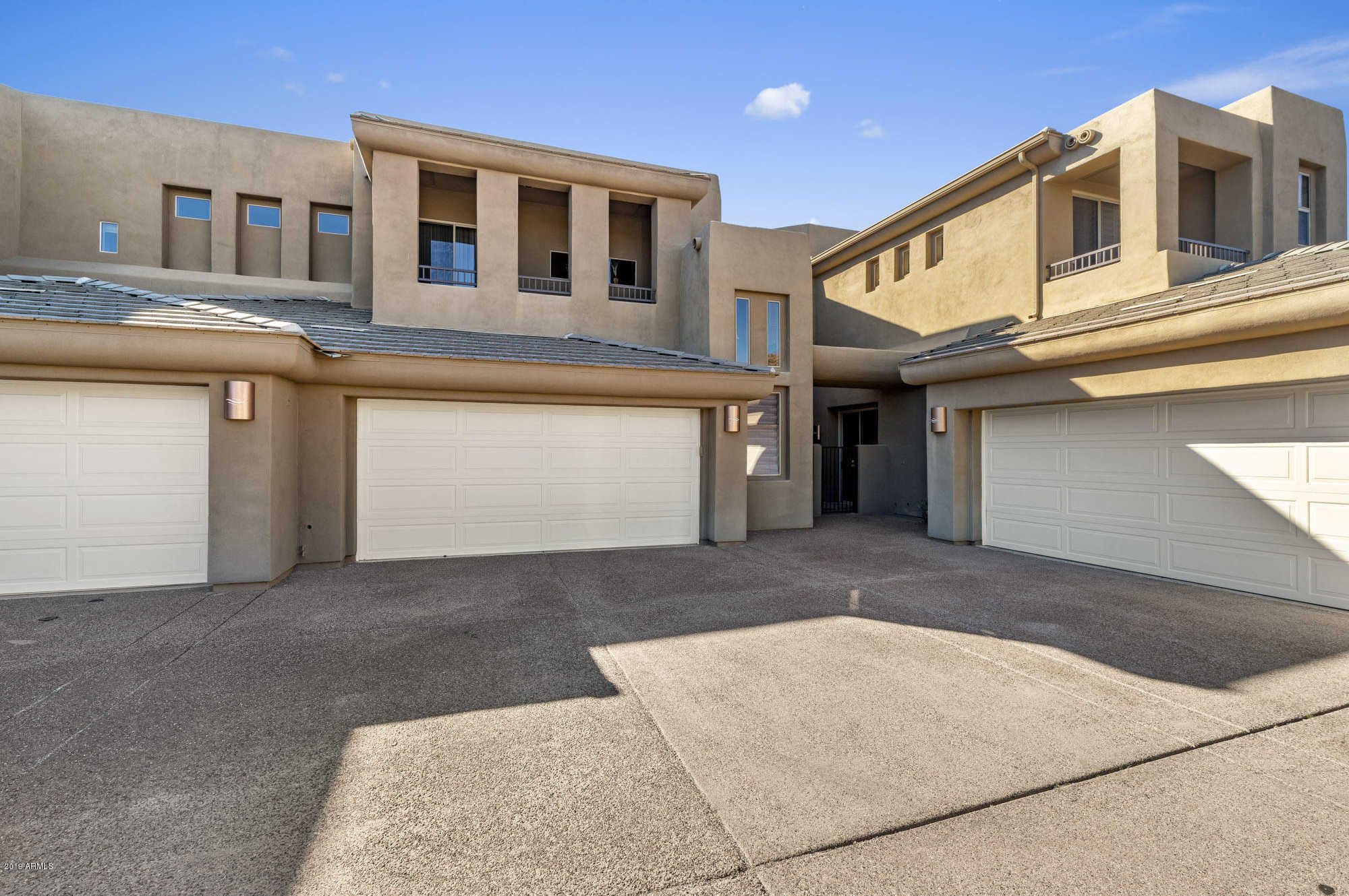 $690,000 - 3Br/3Ba -  for Sale in Villas At Copperwynd, Fountain Hills