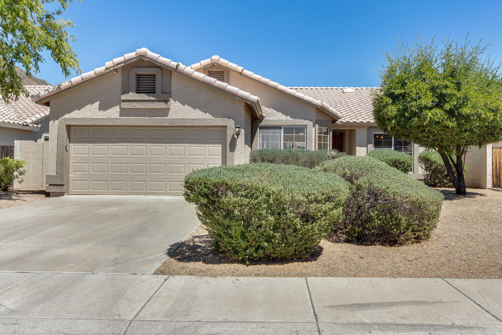 $398,900 - 3Br/2Ba - Home for Sale in Arrowhead Lakes, Glendale