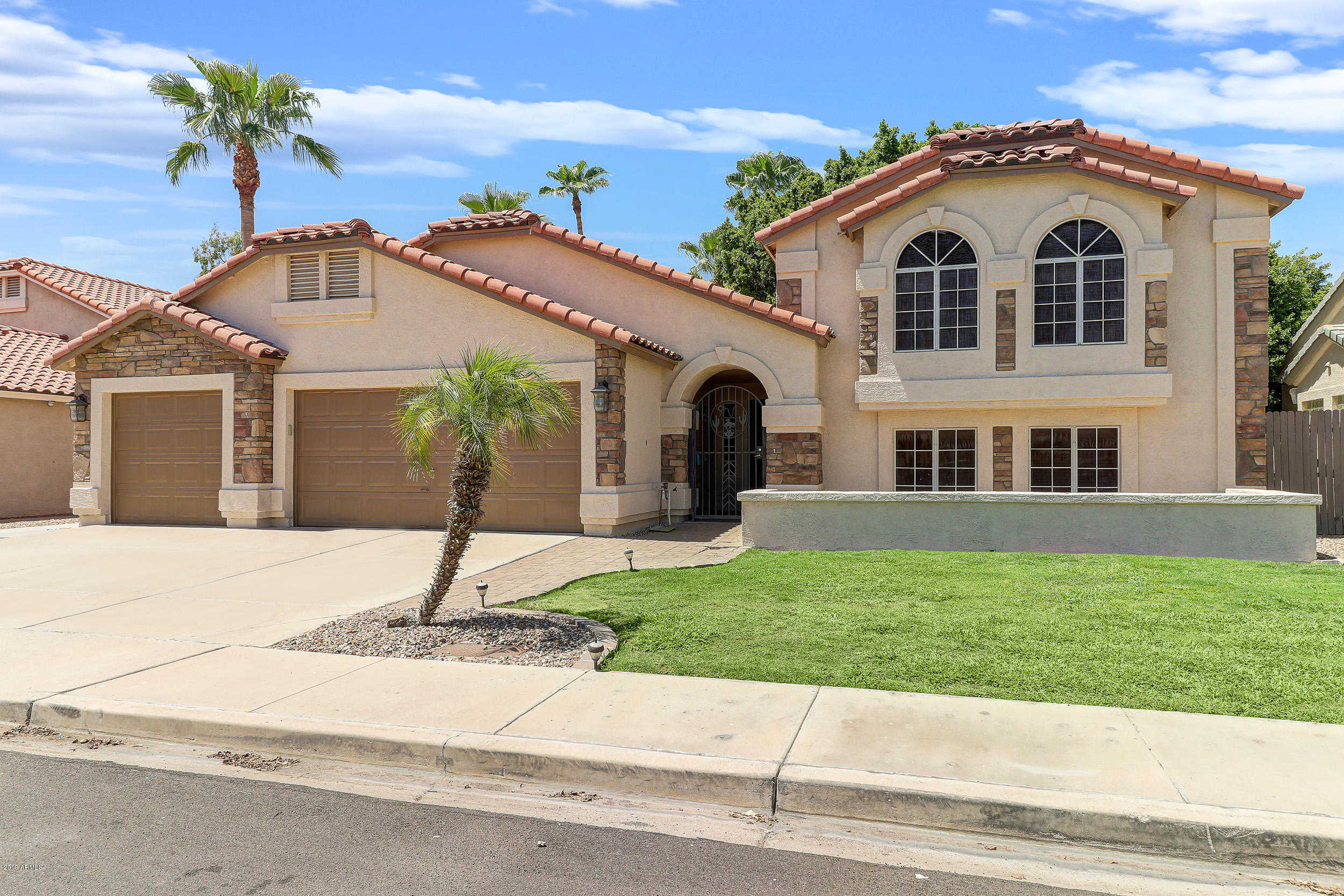 $395,000 - 5Br/3Ba - Home for Sale in Arrowhead Oasis, Glendale