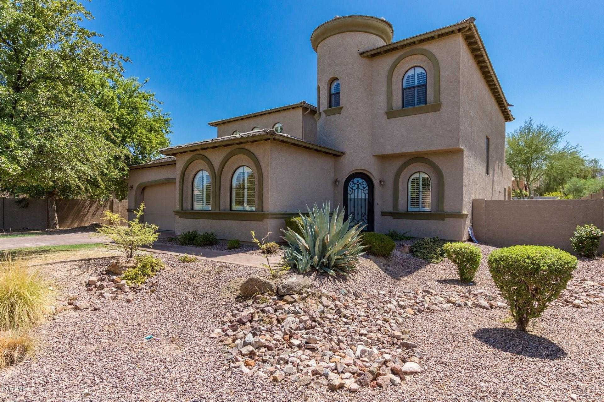 $500,000 - 5Br/3Ba - Home for Sale in Village At South Mountain, Phoenix