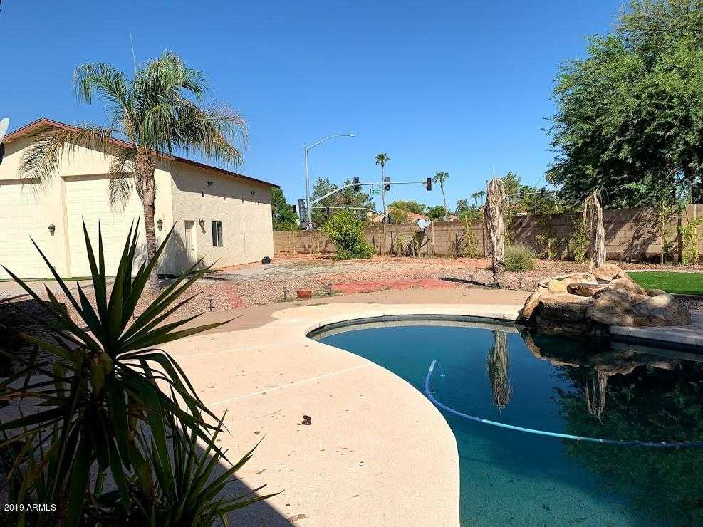 $398,000 - 4Br/3Ba - Home for Sale in Arrowhead Valley 1, Glendale