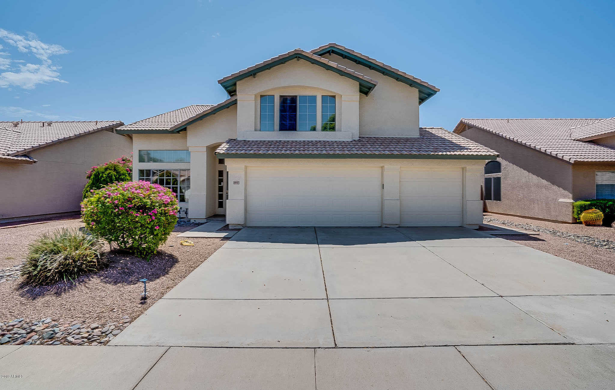 $350,000 - 3Br/3Ba - Home for Sale in Fulton Homes At Arrowhead Ranch Unit 2, Glendale