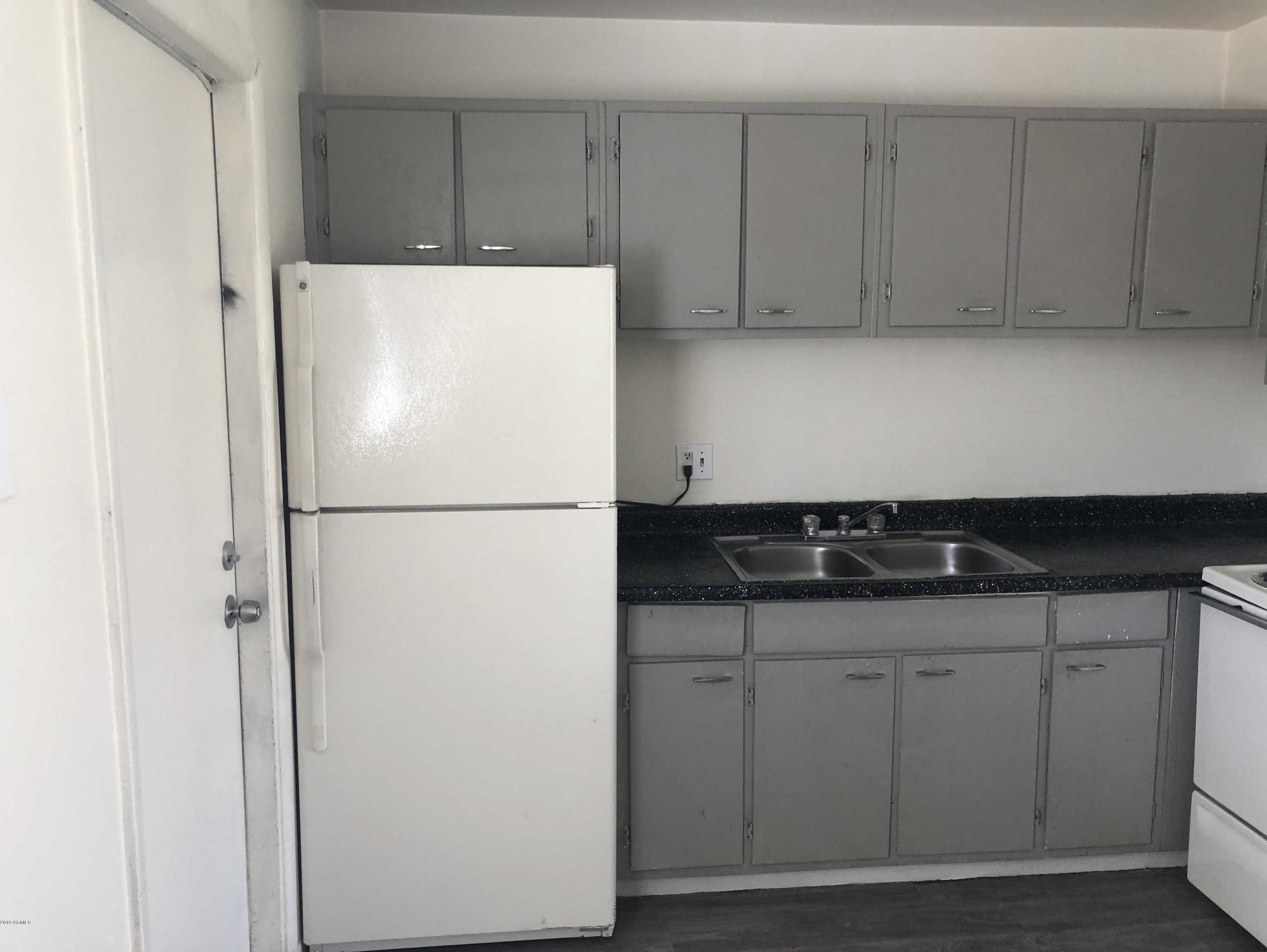 - 1Br/1Ba - Condo for Sale in Metes & Bounds, Phoenix