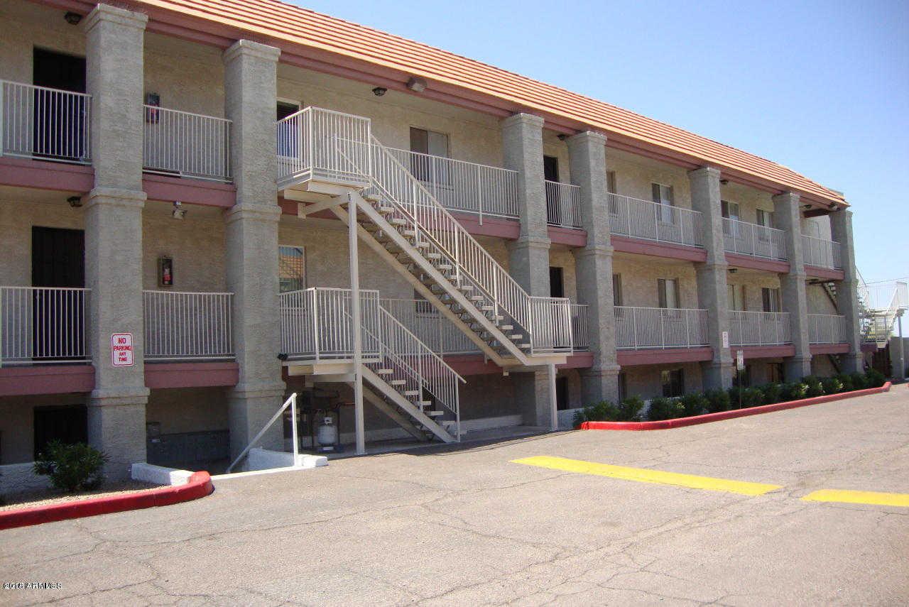 - 1Br/1Ba - Condo for Sale in Hacienda Royale Condominium, Phoenix