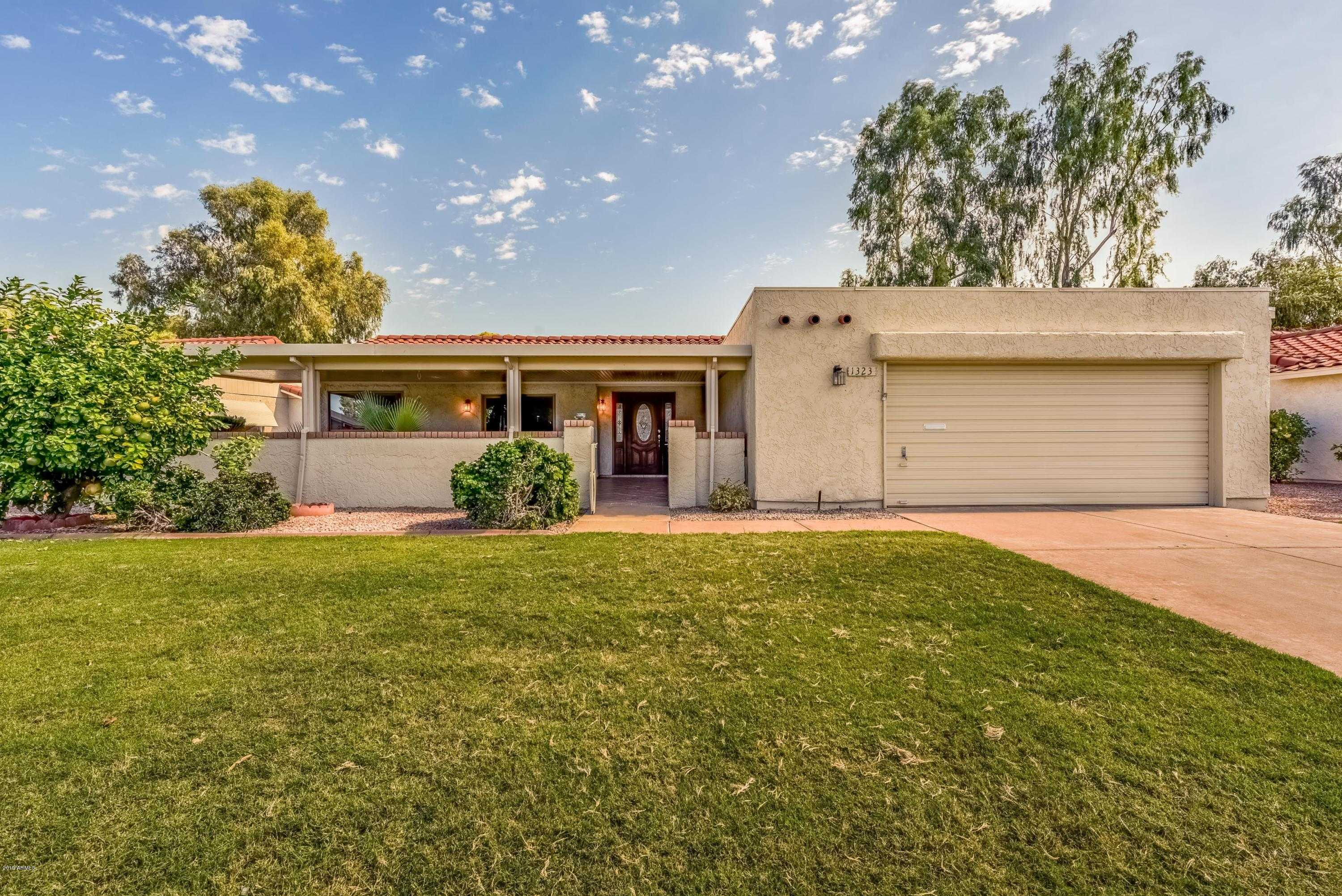 $299,900 - 3Br/2Ba - Home for Sale in Leisure World Plat 12 Lot 1100-1404 & Tr A-t, Mesa