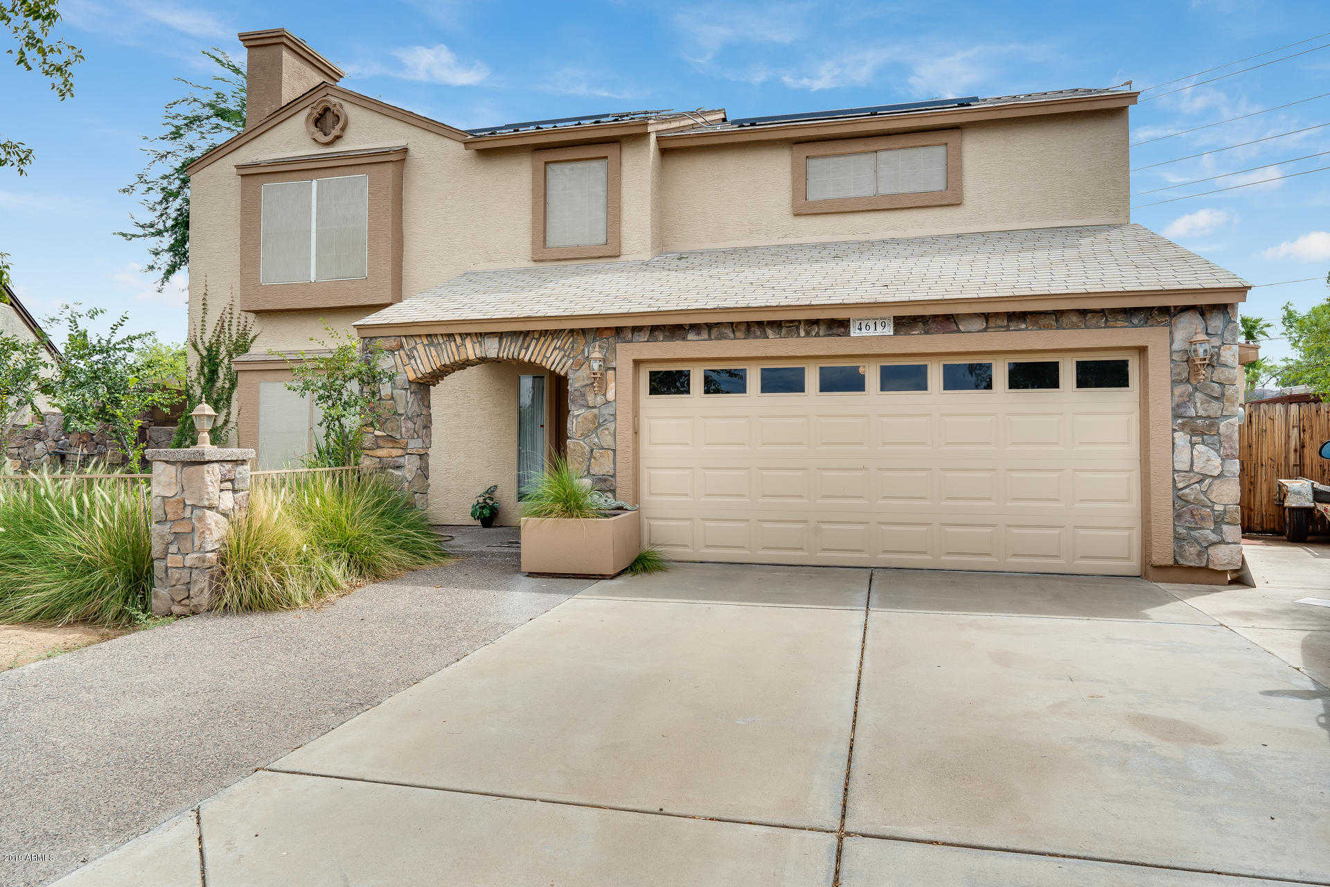 $339,990 - 5Br/3Ba - Home for Sale in Overland Trail, Glendale