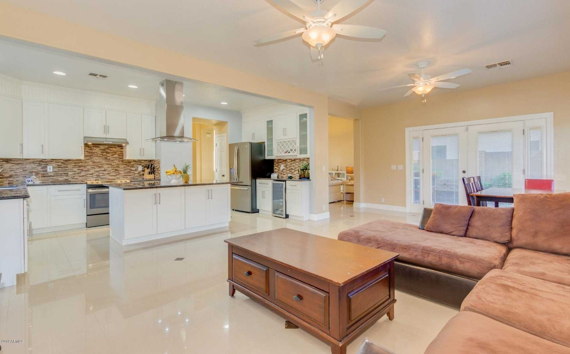 $375,000 - 5Br/3Ba - Home for Sale in Rancho Corona, Gilbert