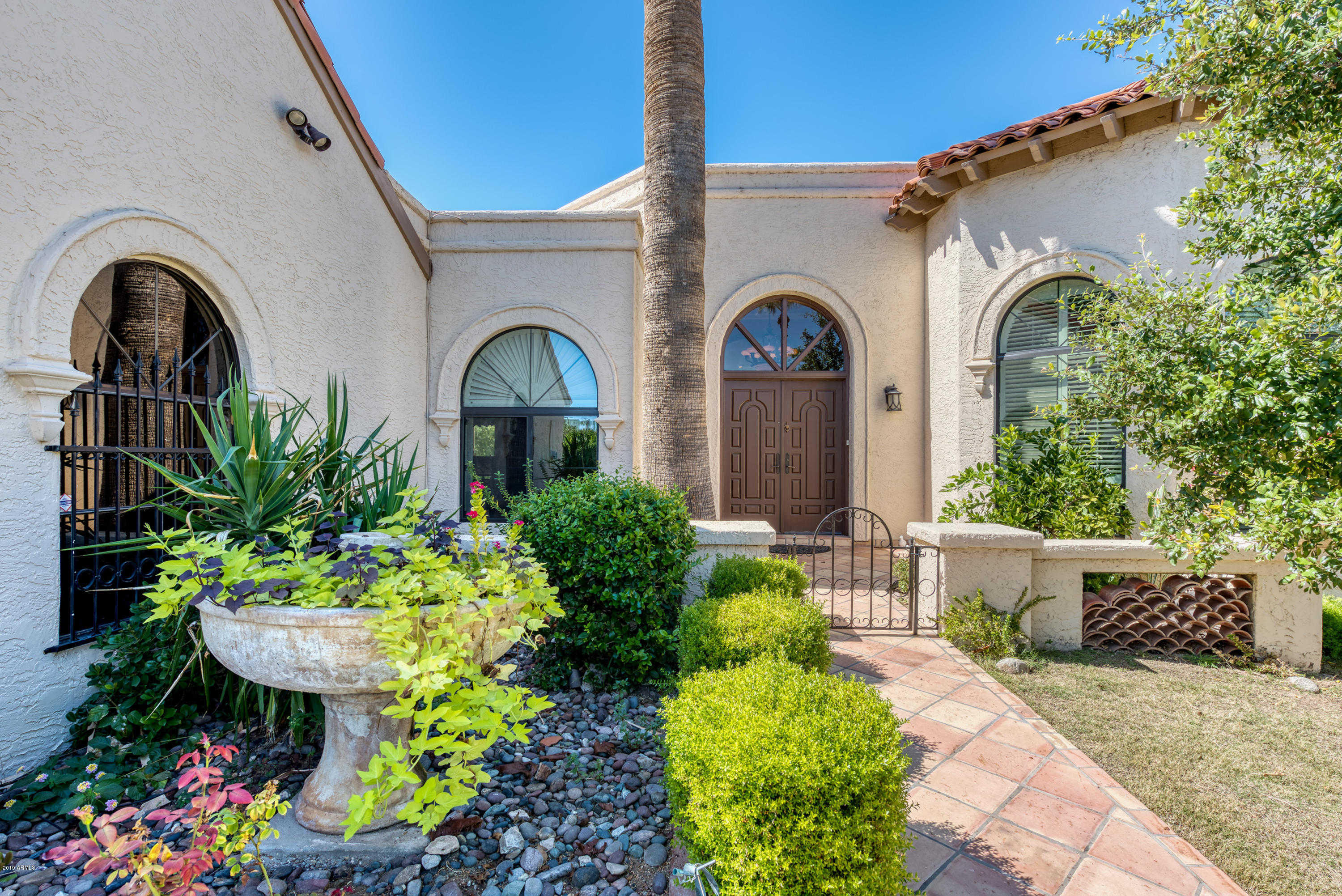 $819,000 - 2Br/2Ba -  for Sale in Village On The Lakes At The Az Biltmore Ests 3, Phoenix