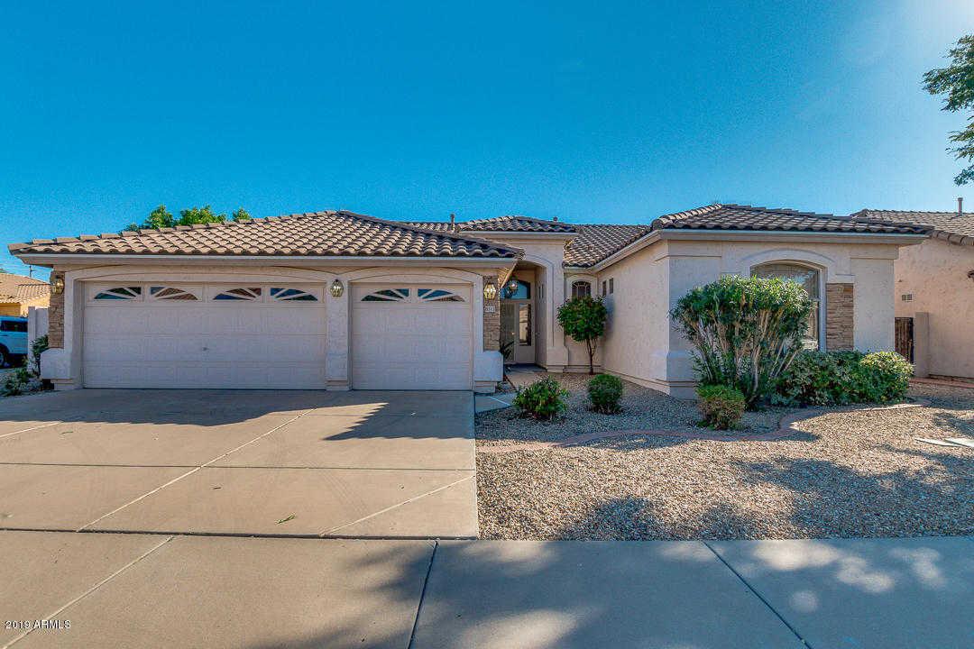 $300,000 - 4Br/2Ba - Home for Sale in Dave Brown Parkside, Glendale