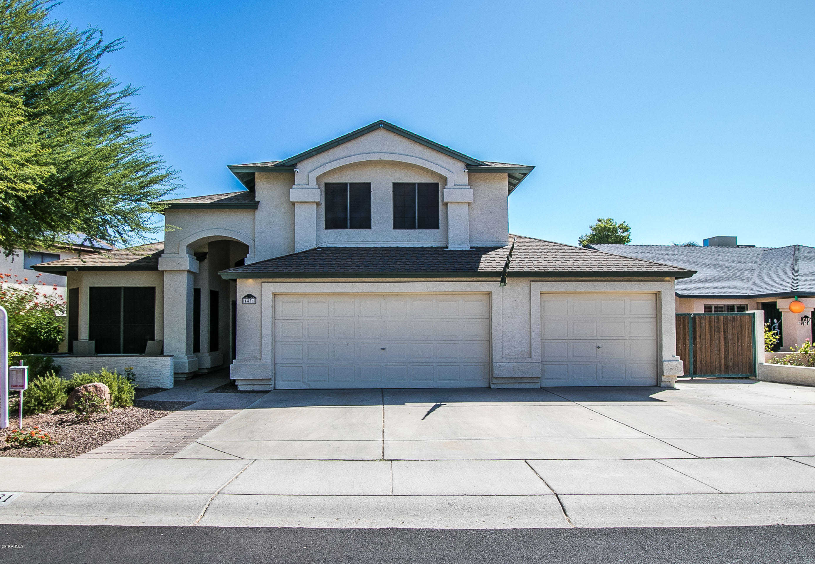 $330,000 - 3Br/3Ba - Home for Sale in Overland Trail 6 Lt 1-229 Tr A-k, Glendale