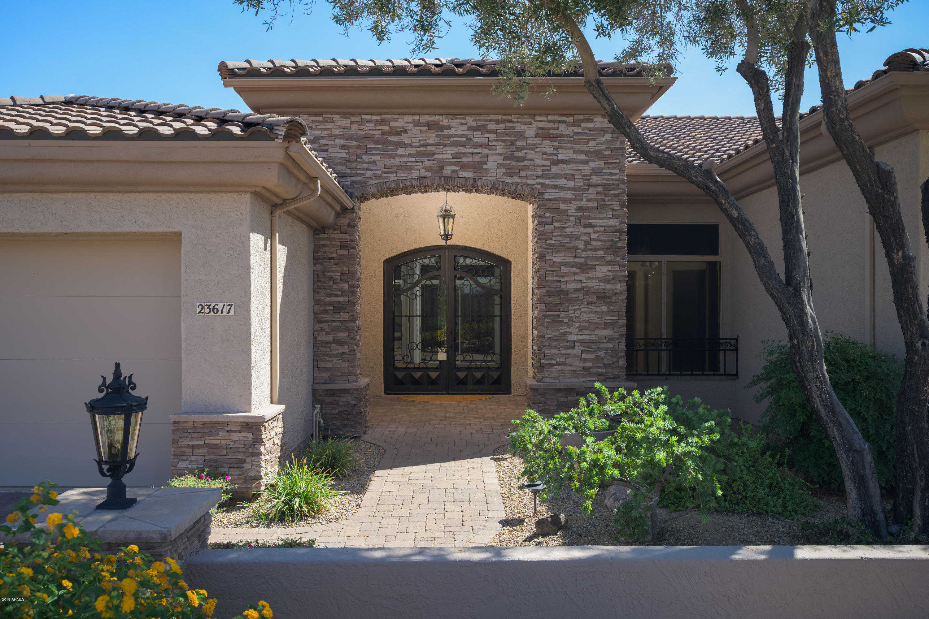 $617,900 - 4Br/3Ba - Home for Sale in Pinnacle Hill, Glendale