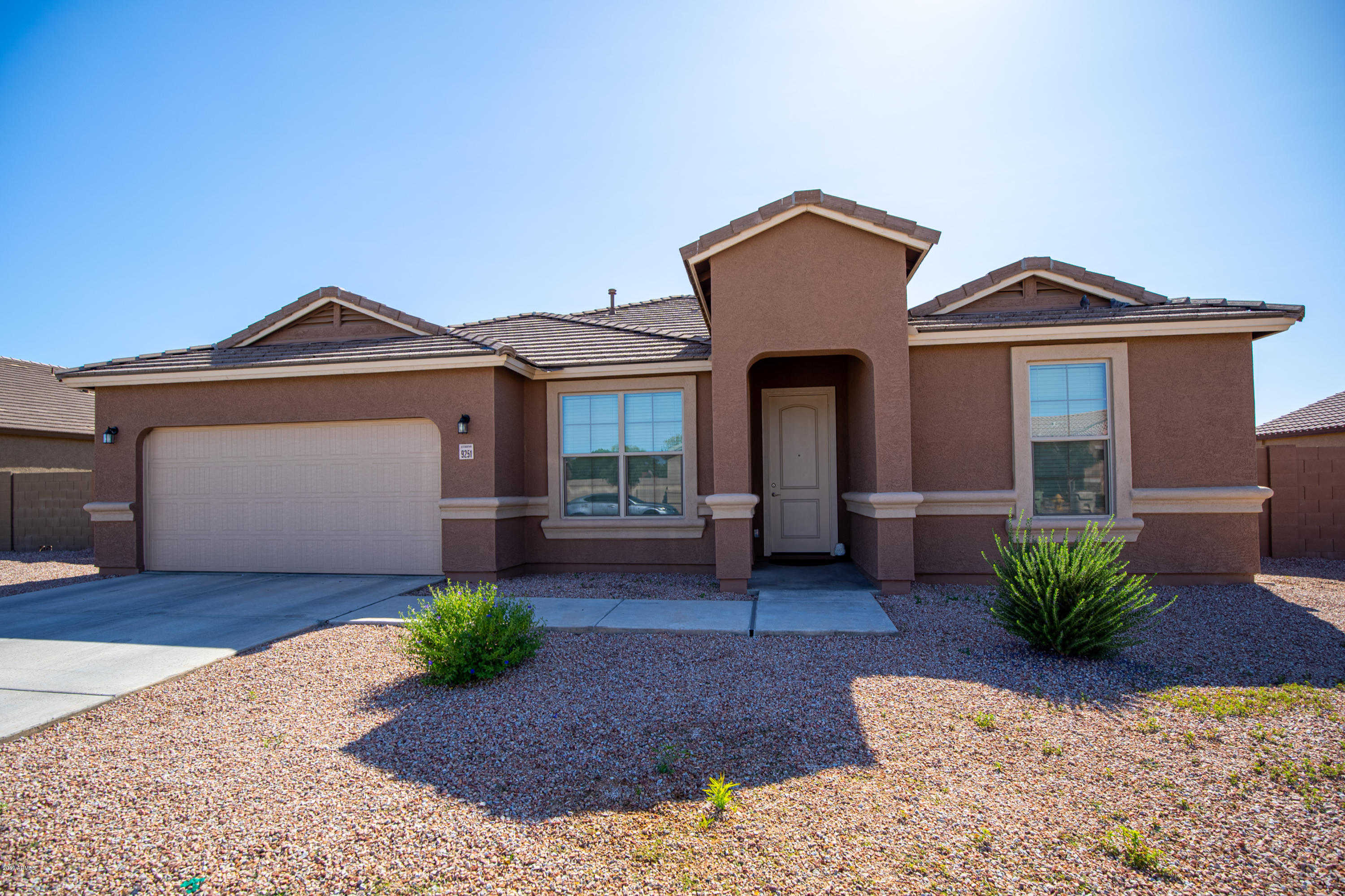 $379,900 - 4Br/3Ba - Home for Sale in Copper Cove Phase 1 Replat, Glendale