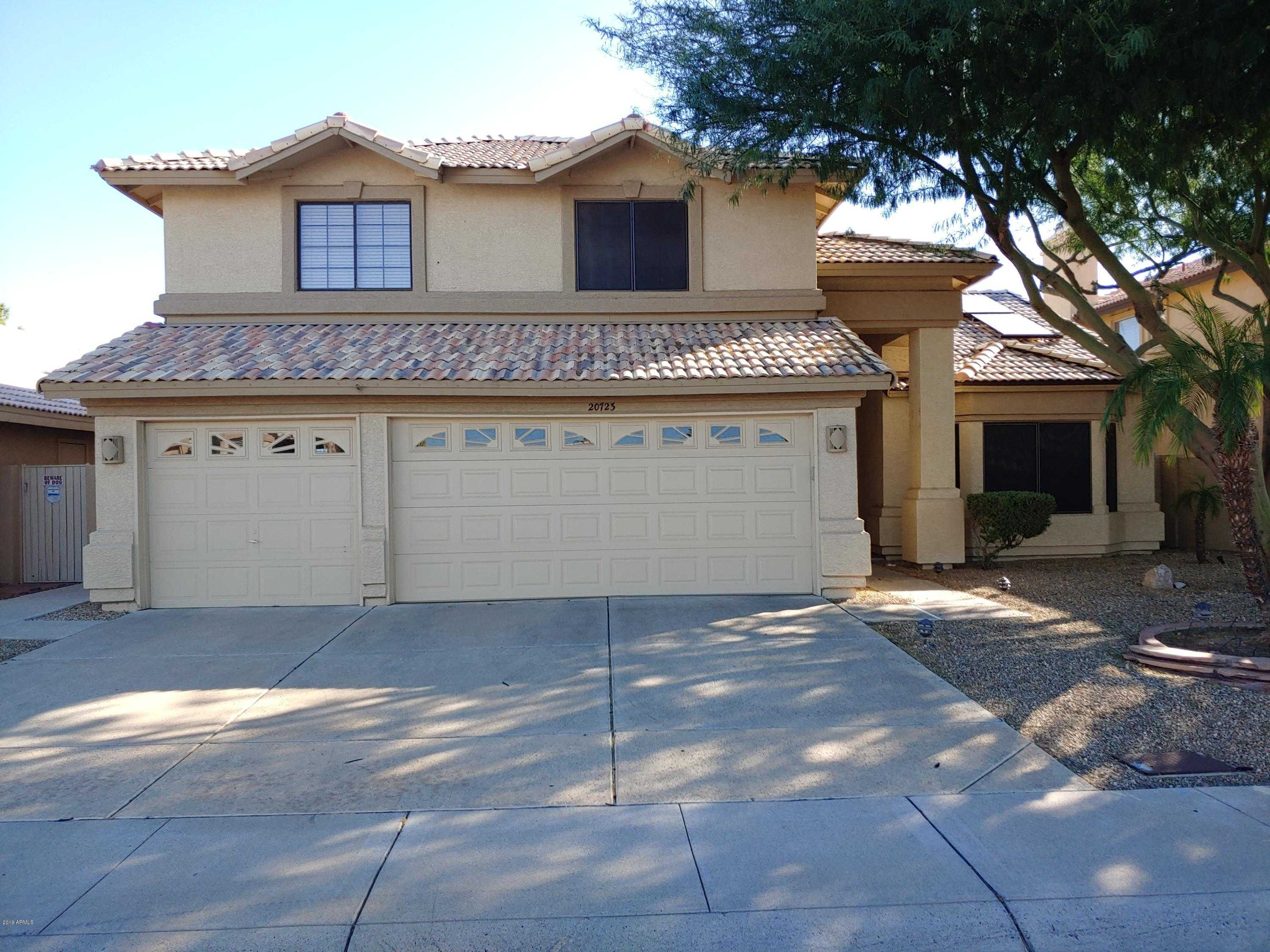 $700,000 - 4Br/3Ba - Home for Sale in Arrowhead Lakes 3 Lot 239-333 Tr A-b, Glendale