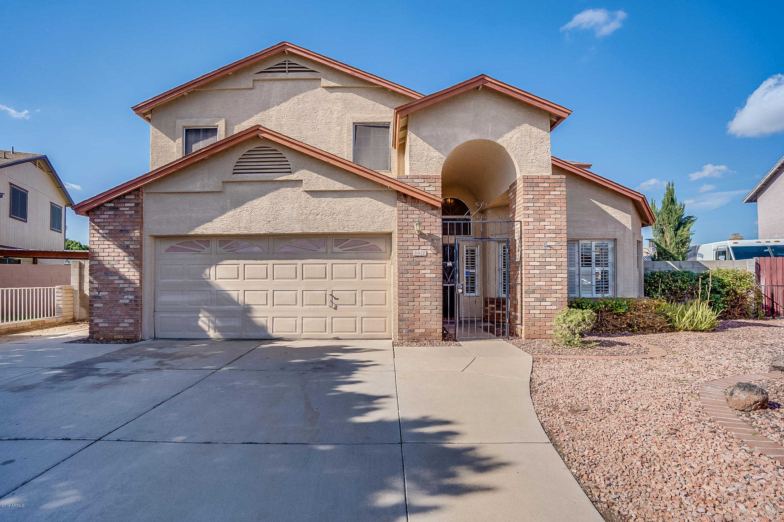 $300,000 - 4Br/3Ba - Home for Sale in West Plaza 31 & 32 Amd Lot 1-608 Tr A-c, Glendale