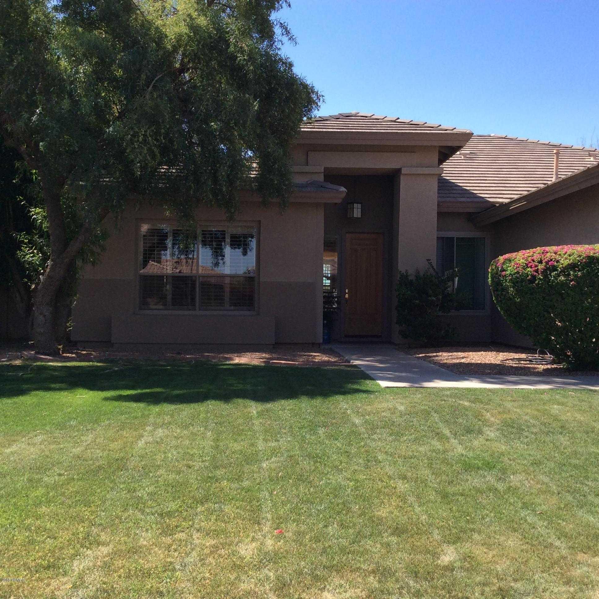 $389,900 - 4Br/2Ba - Home for Sale in Coppercrest, Glendale