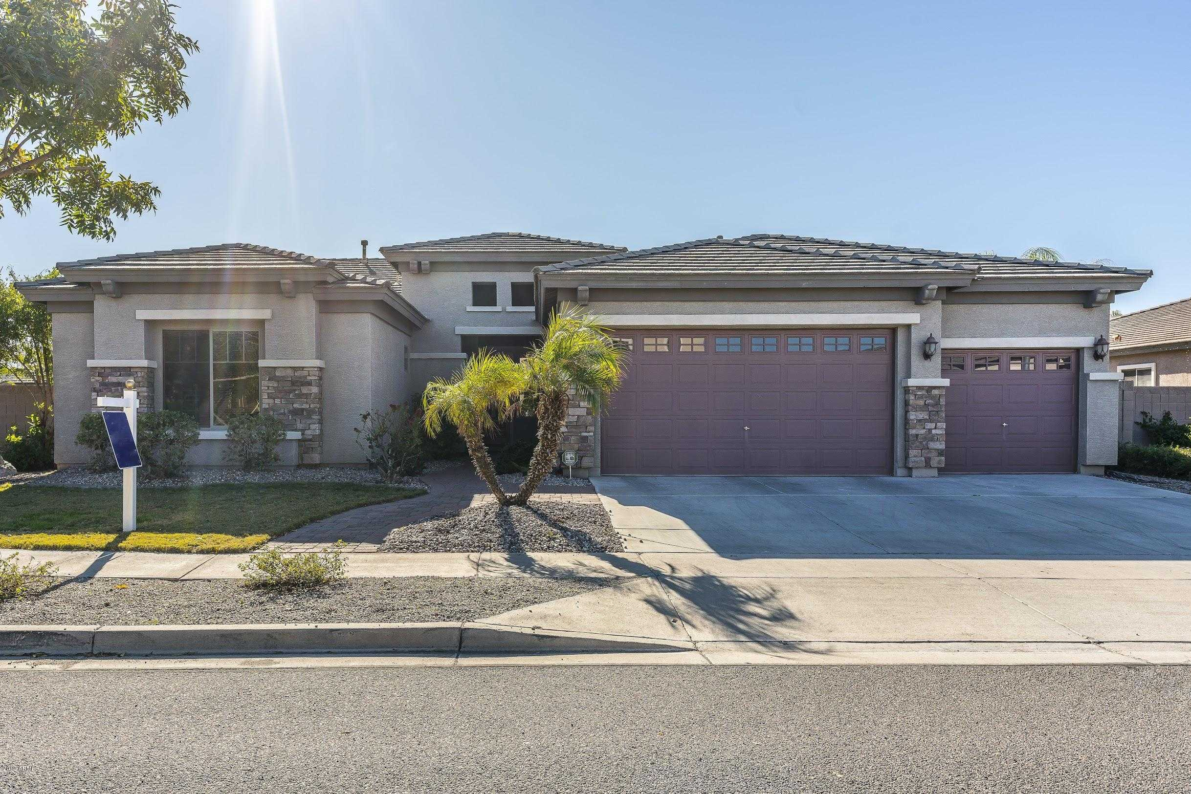 $459,999 - 4Br/3Ba - Home for Sale in Rovey Farm Estates South, Glendale