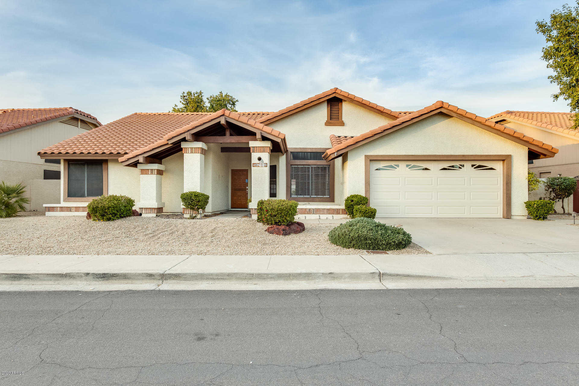 $336,900 - 2Br/2Ba - Home for Sale in Arrowhead Ranch 4 Lt 1-132 Tr A B, Glendale