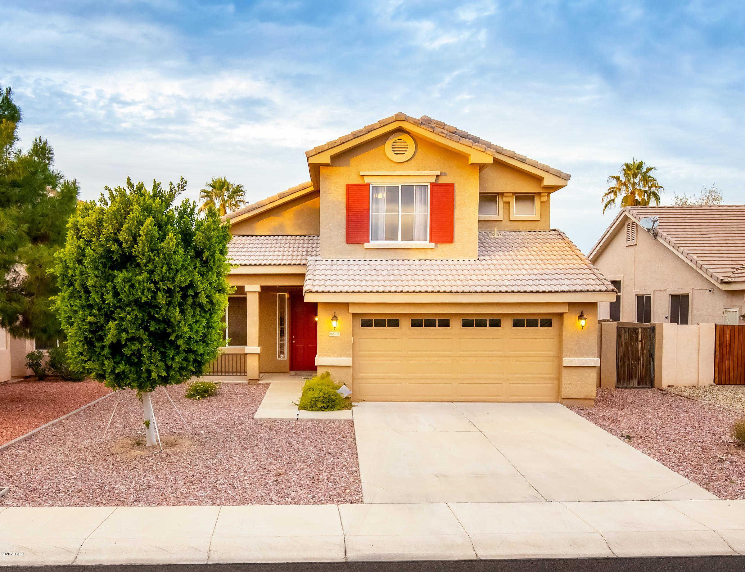 $359,900 - 4Br/3Ba - Home for Sale in Sierra Verde, Glendale