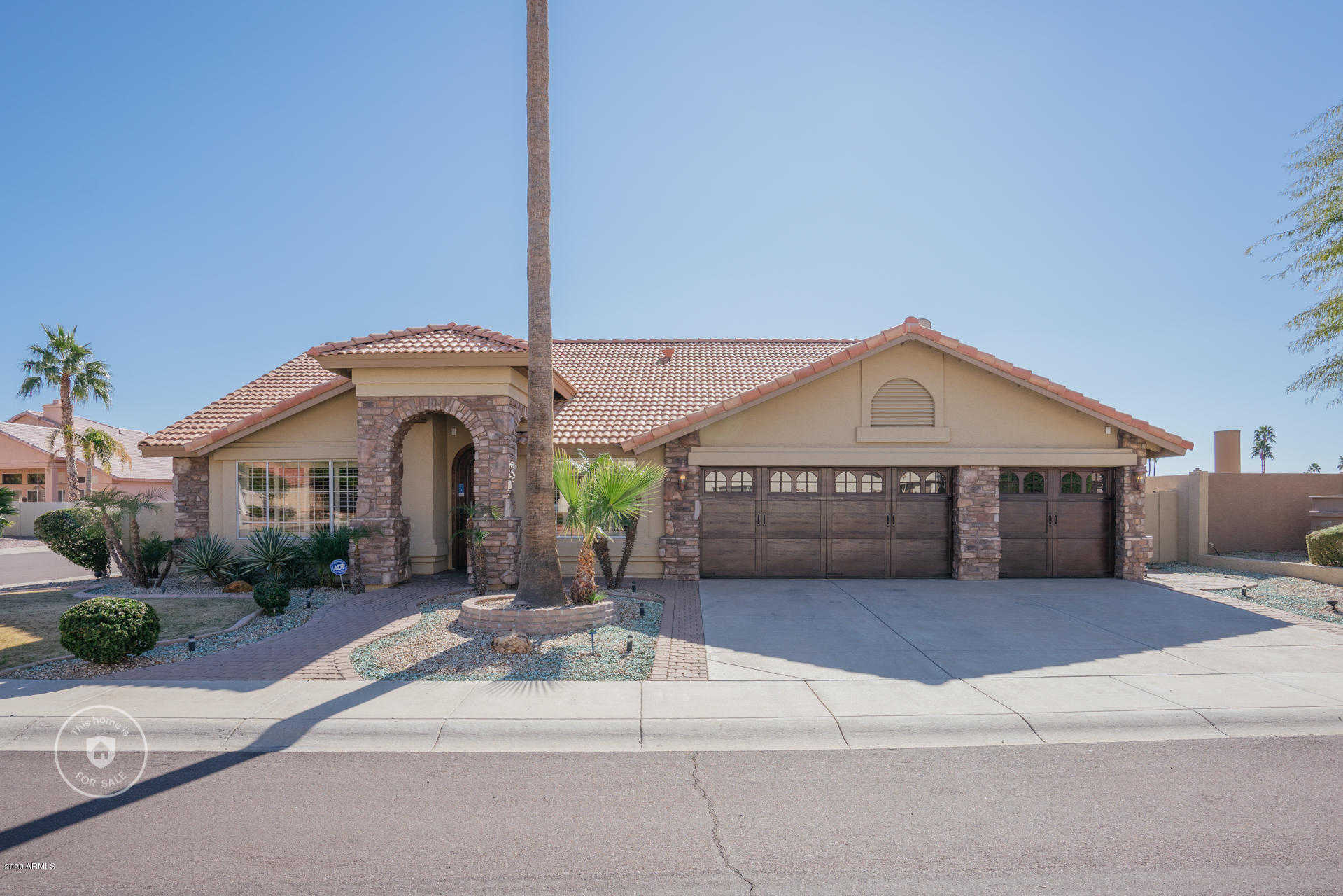 $450,000 - 4Br/2Ba - Home for Sale in Arrowhead Lakes Unit 5a, Glendale