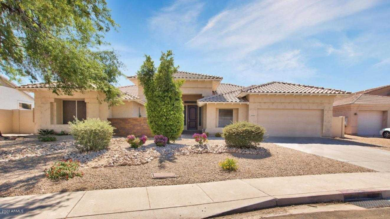 $600,000 - 3Br/3Ba - Home for Sale in Arrowhead Lakes, Glendale