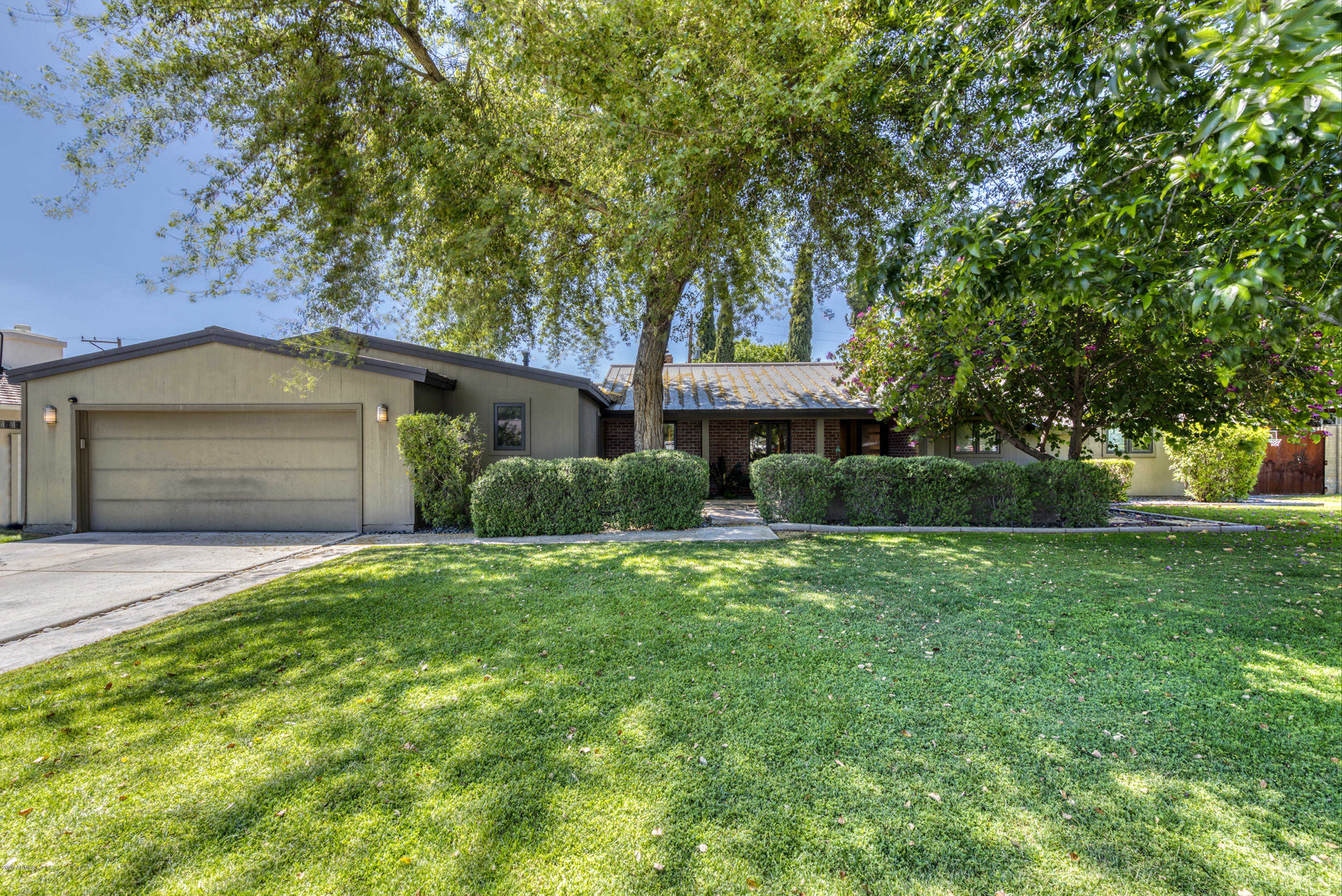 $1,150,000 - 5Br/3Ba - Home for Sale in North Central Groves, Phoenix
