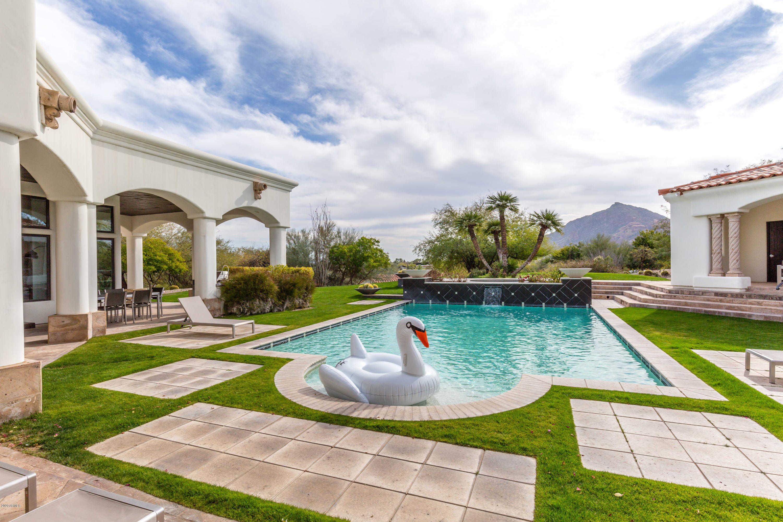 - 9Br/10Ba - Home for Sale in Las Estancias, Paradise Valley